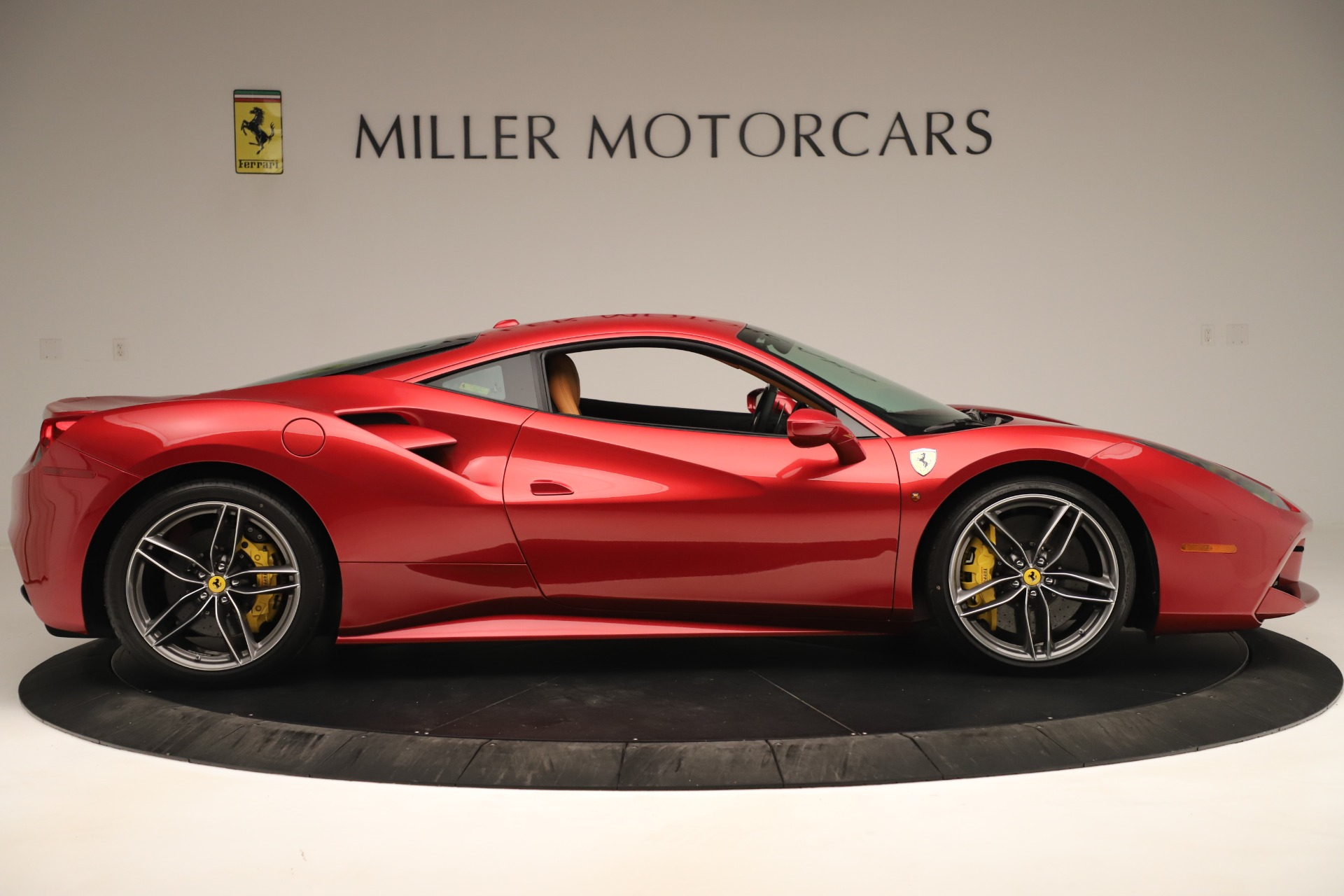Used 2018 Ferrari 488 GTB  For Sale In Greenwich, CT. Alfa Romeo of Greenwich, F2001A 3362_p9