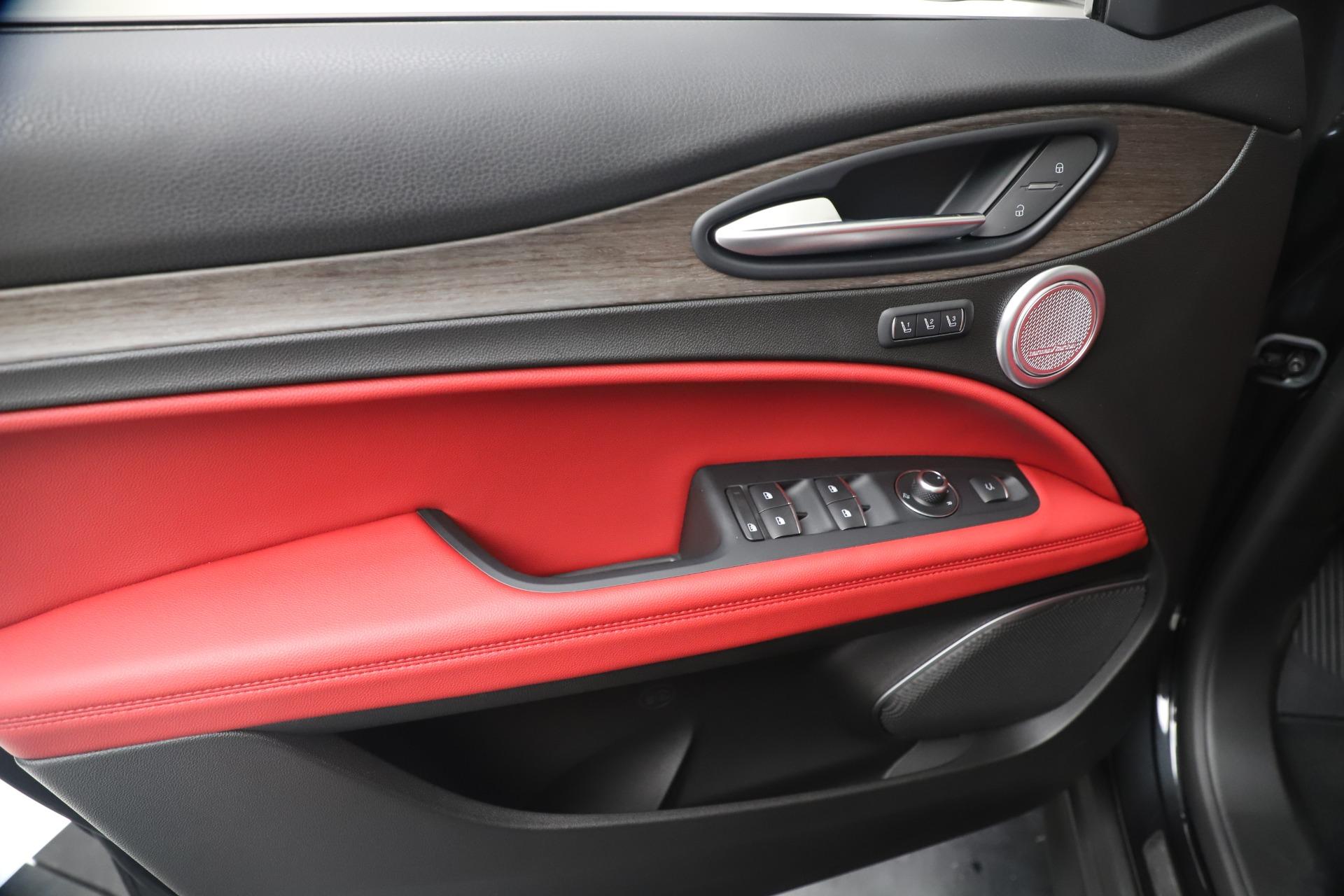 New 2019 Alfa Romeo Stelvio Ti Q4 For Sale In Greenwich, CT. Alfa Romeo of Greenwich, LW373 3363_p17