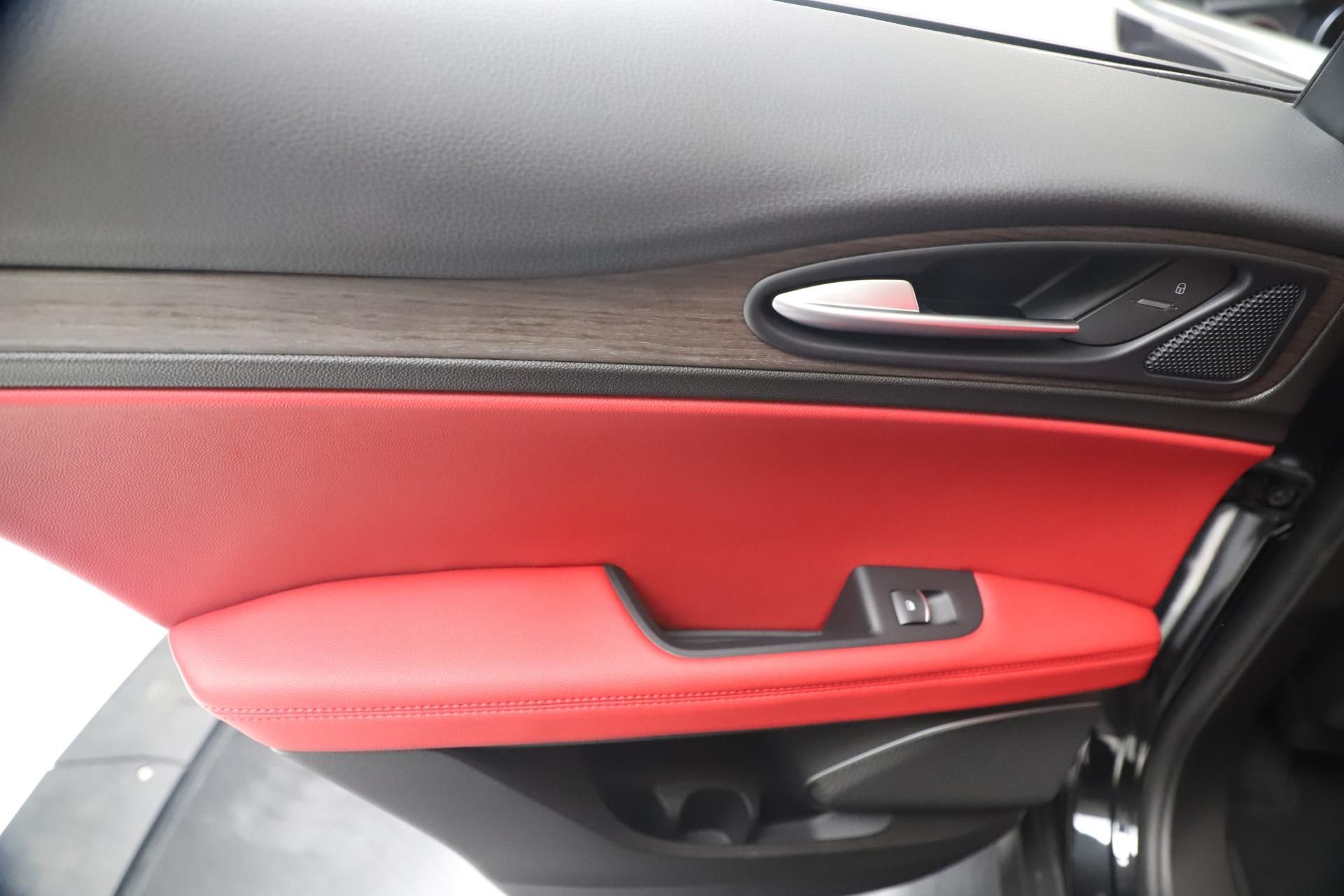 New 2019 Alfa Romeo Stelvio Ti Q4 For Sale In Greenwich, CT. Alfa Romeo of Greenwich, LW373 3363_p21