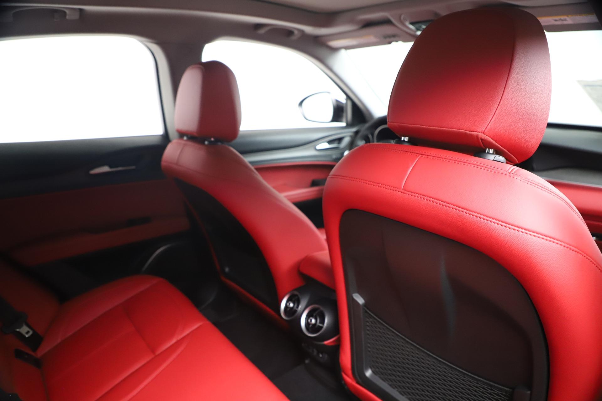 New 2019 Alfa Romeo Stelvio Ti Q4 For Sale In Greenwich, CT. Alfa Romeo of Greenwich, LW373 3363_p28