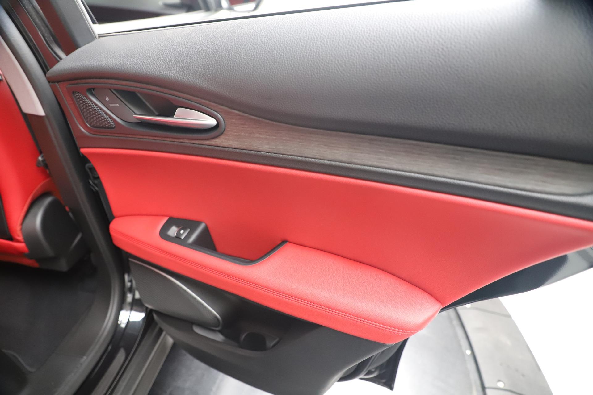 New 2019 Alfa Romeo Stelvio Ti Q4 For Sale In Greenwich, CT. Alfa Romeo of Greenwich, LW373 3363_p29