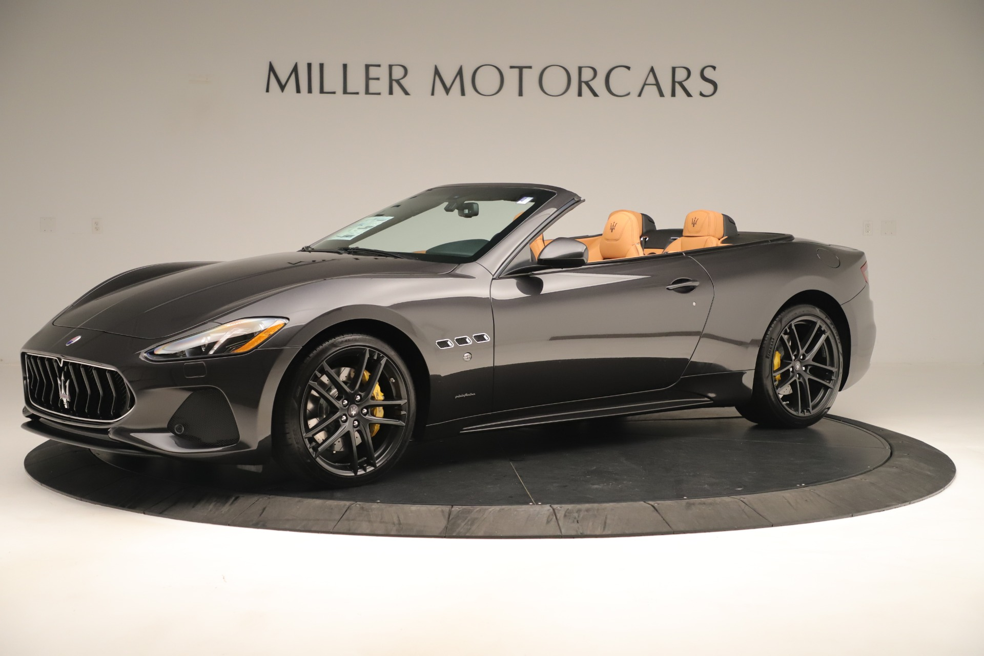 New 2019 Maserati GranTurismo Sport Convertible For Sale In Greenwich, CT. Alfa Romeo of Greenwich, W695 3367_p2