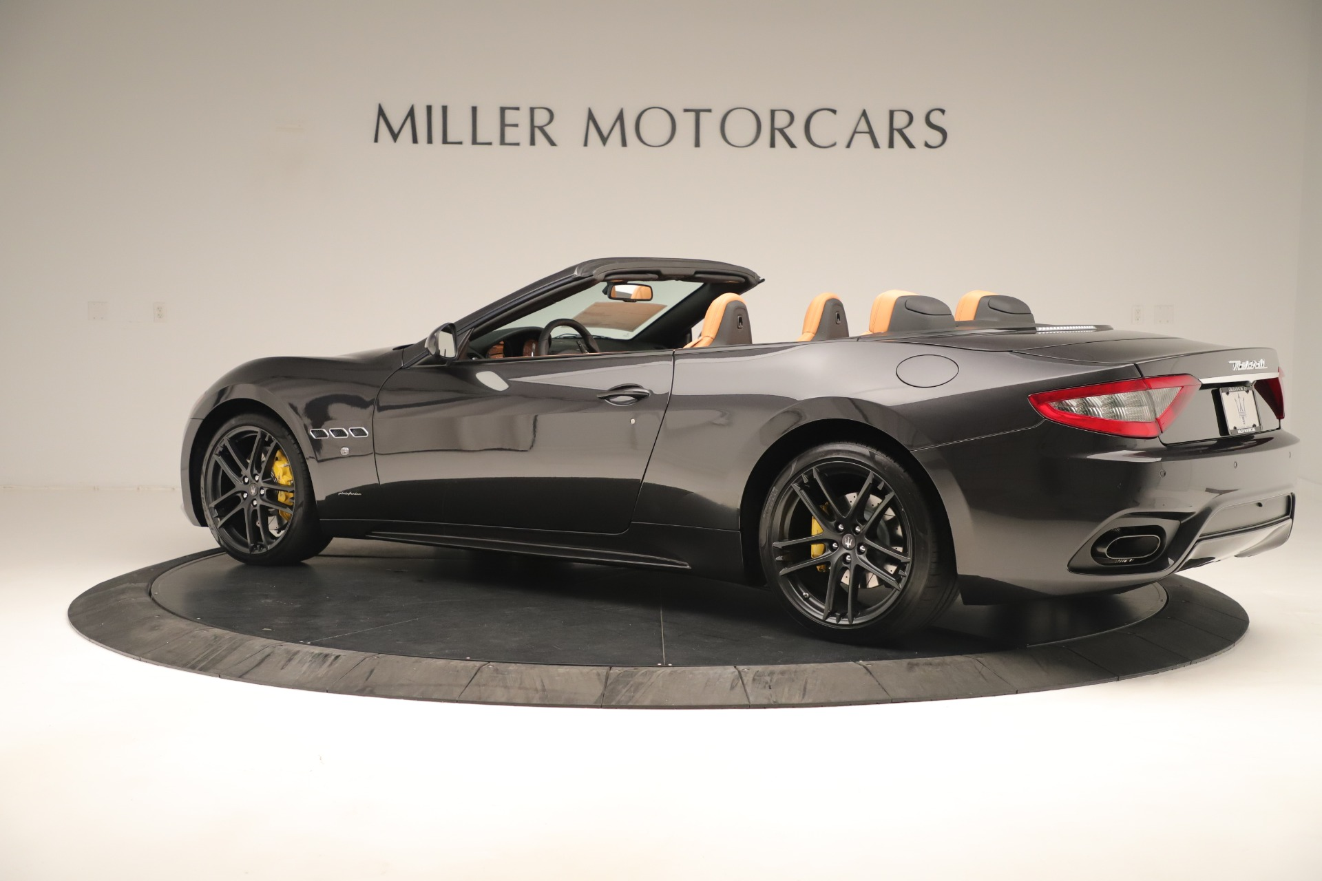 New 2019 Maserati GranTurismo Sport Convertible For Sale In Greenwich, CT. Alfa Romeo of Greenwich, W695 3367_p4