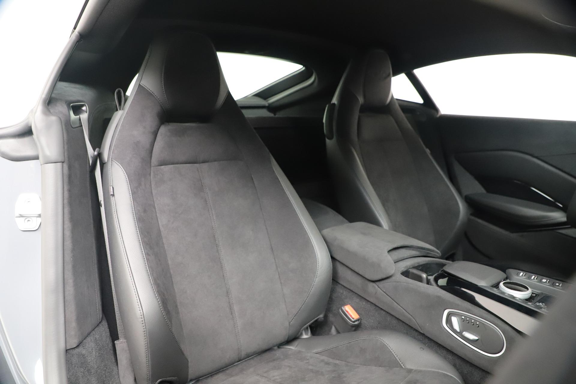 New 2020 Aston Martin Vantage Coupe For Sale In Greenwich, CT. Alfa Romeo of Greenwich, A1395 3368_p15