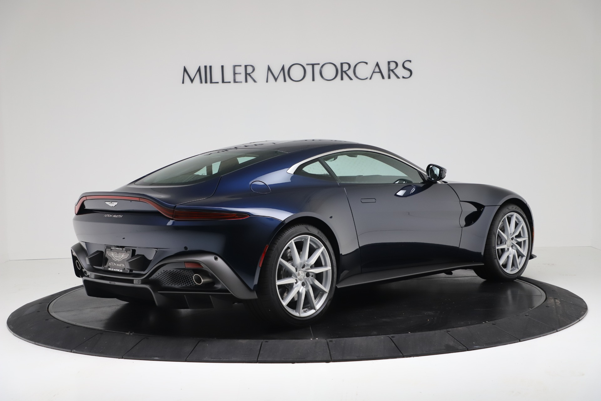 New 2020 Aston Martin Vantage V8 For Sale In Greenwich, CT. Alfa Romeo of Greenwich, A1392 3369_p5