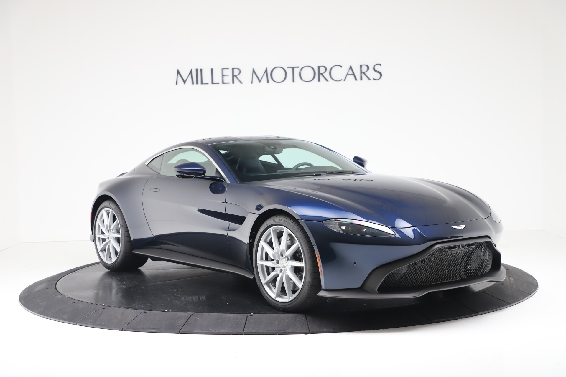 New 2020 Aston Martin Vantage V8 For Sale In Greenwich, CT. Alfa Romeo of Greenwich, A1392 3369_p7