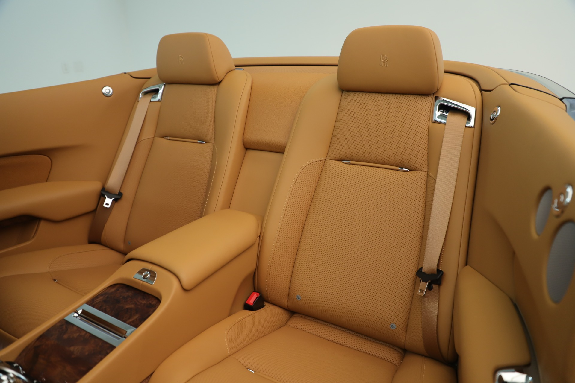 Used 2016 Rolls-Royce Dawn  For Sale In Greenwich, CT. Alfa Romeo of Greenwich, 7607 3373_p18