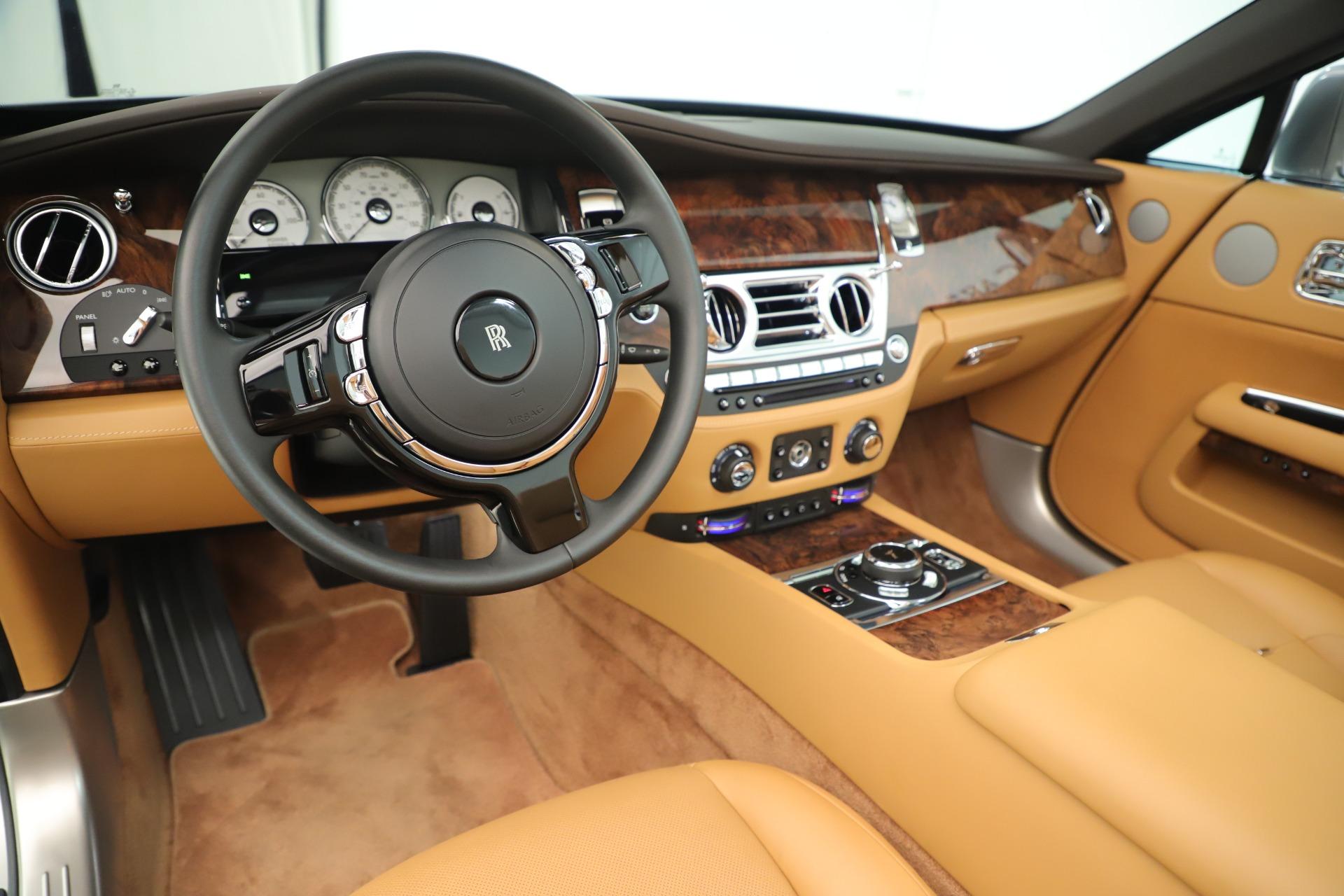 Used 2016 Rolls-Royce Dawn  For Sale In Greenwich, CT. Alfa Romeo of Greenwich, 7607 3373_p20