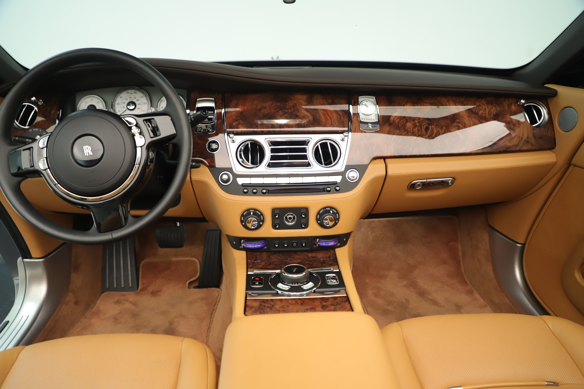 Used 2016 Rolls-Royce Dawn  For Sale In Greenwich, CT. Alfa Romeo of Greenwich, 7607 3373_p22