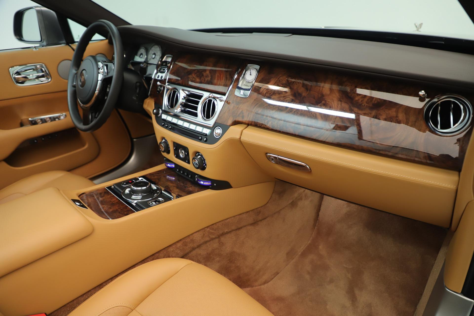 Used 2016 Rolls-Royce Dawn  For Sale In Greenwich, CT. Alfa Romeo of Greenwich, 7607 3373_p23