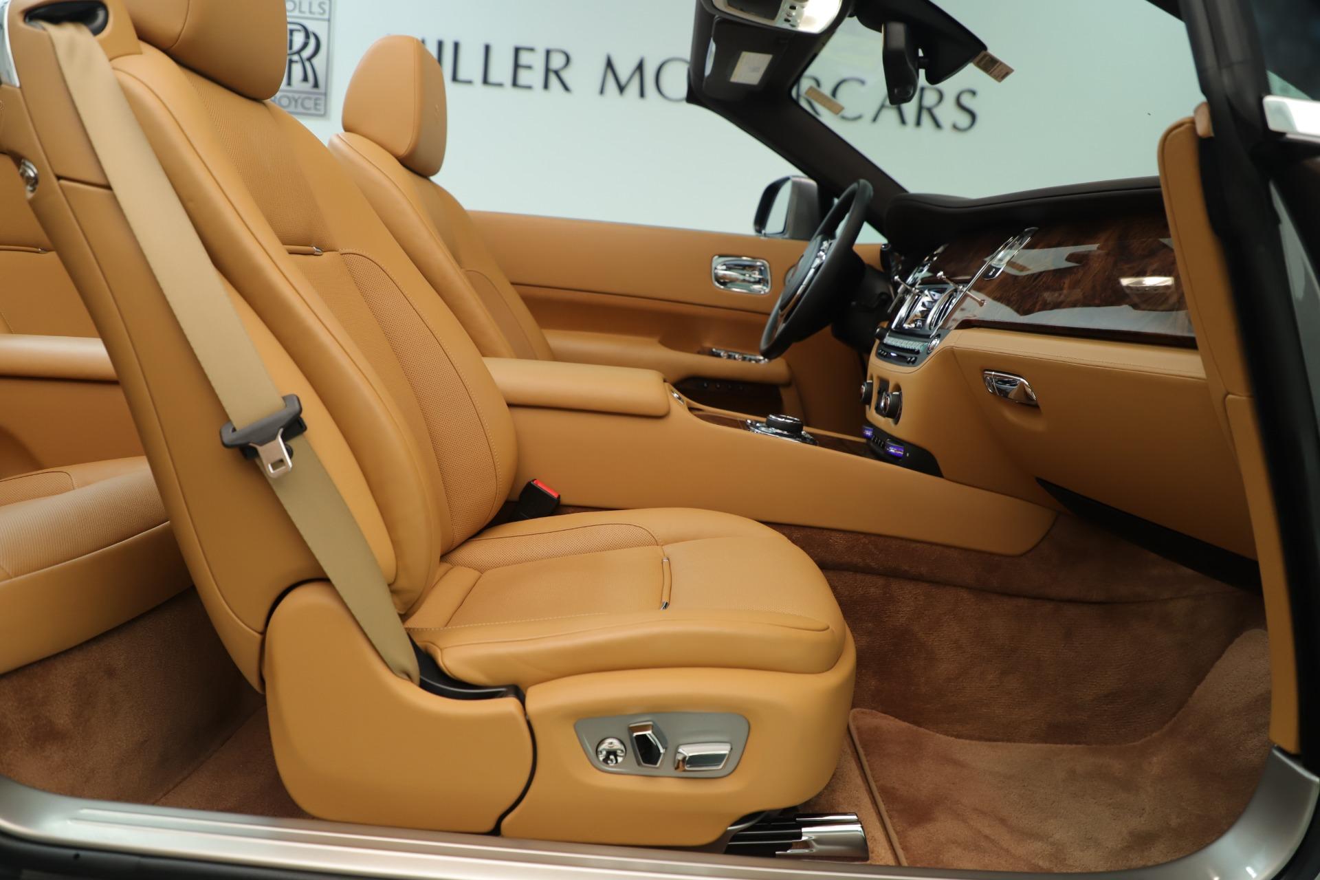 Used 2016 Rolls-Royce Dawn  For Sale In Greenwich, CT. Alfa Romeo of Greenwich, 7607 3373_p30