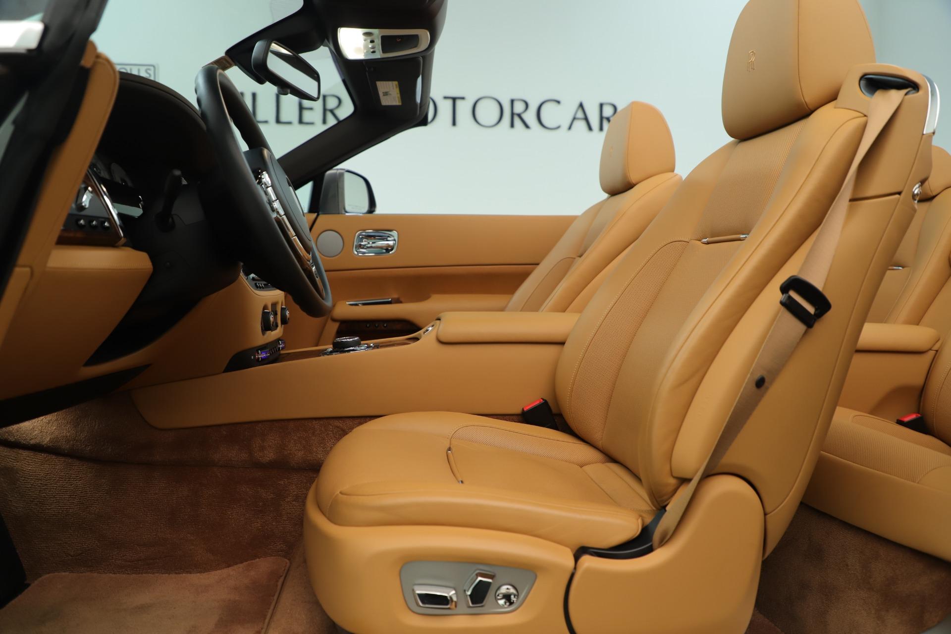 Used 2016 Rolls-Royce Dawn  For Sale In Greenwich, CT. Alfa Romeo of Greenwich, 7607 3373_p31