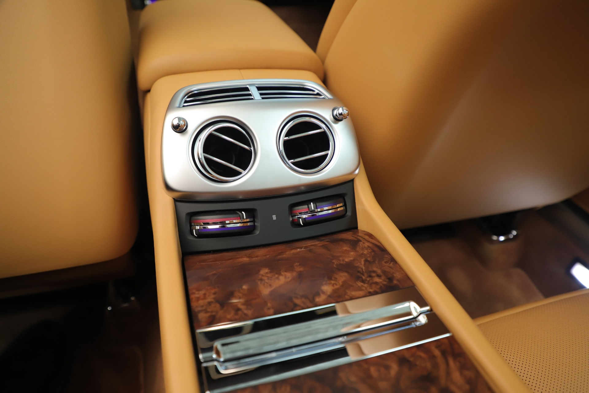 Used 2016 Rolls-Royce Dawn  For Sale In Greenwich, CT. Alfa Romeo of Greenwich, 7607 3373_p33