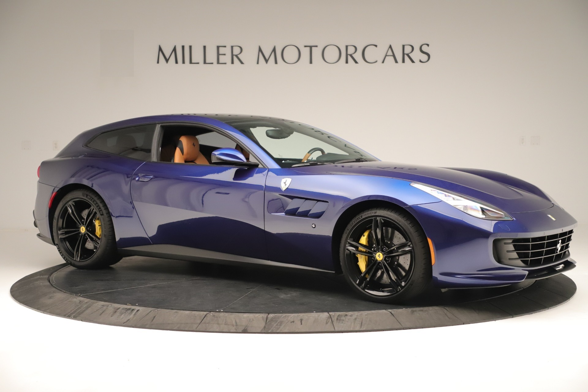 Used 2019 Ferrari GTC4Lusso  For Sale In Greenwich, CT. Alfa Romeo of Greenwich, 4598 3376_p10