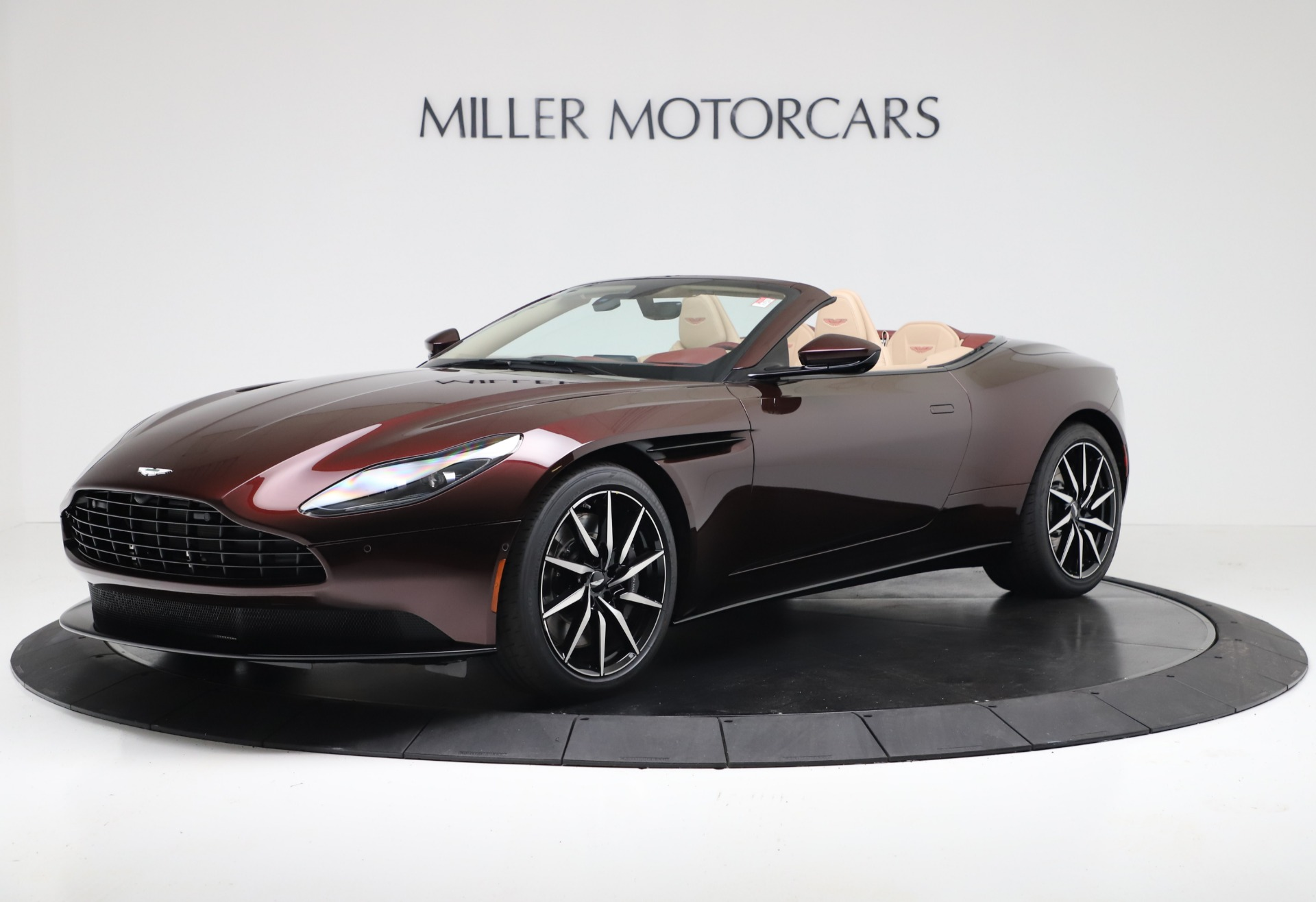 New 2020 Aston Martin DB11 V8 For Sale In Greenwich, CT. Alfa Romeo of Greenwich, A1398 3380_main