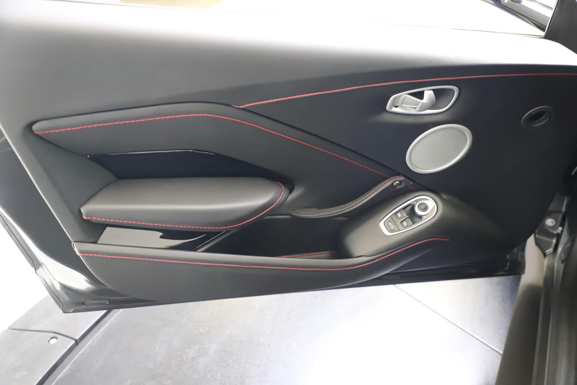 New 2020 Aston Martin Vantage V8 For Sale In Greenwich, CT. Alfa Romeo of Greenwich, A1396 3384_p14