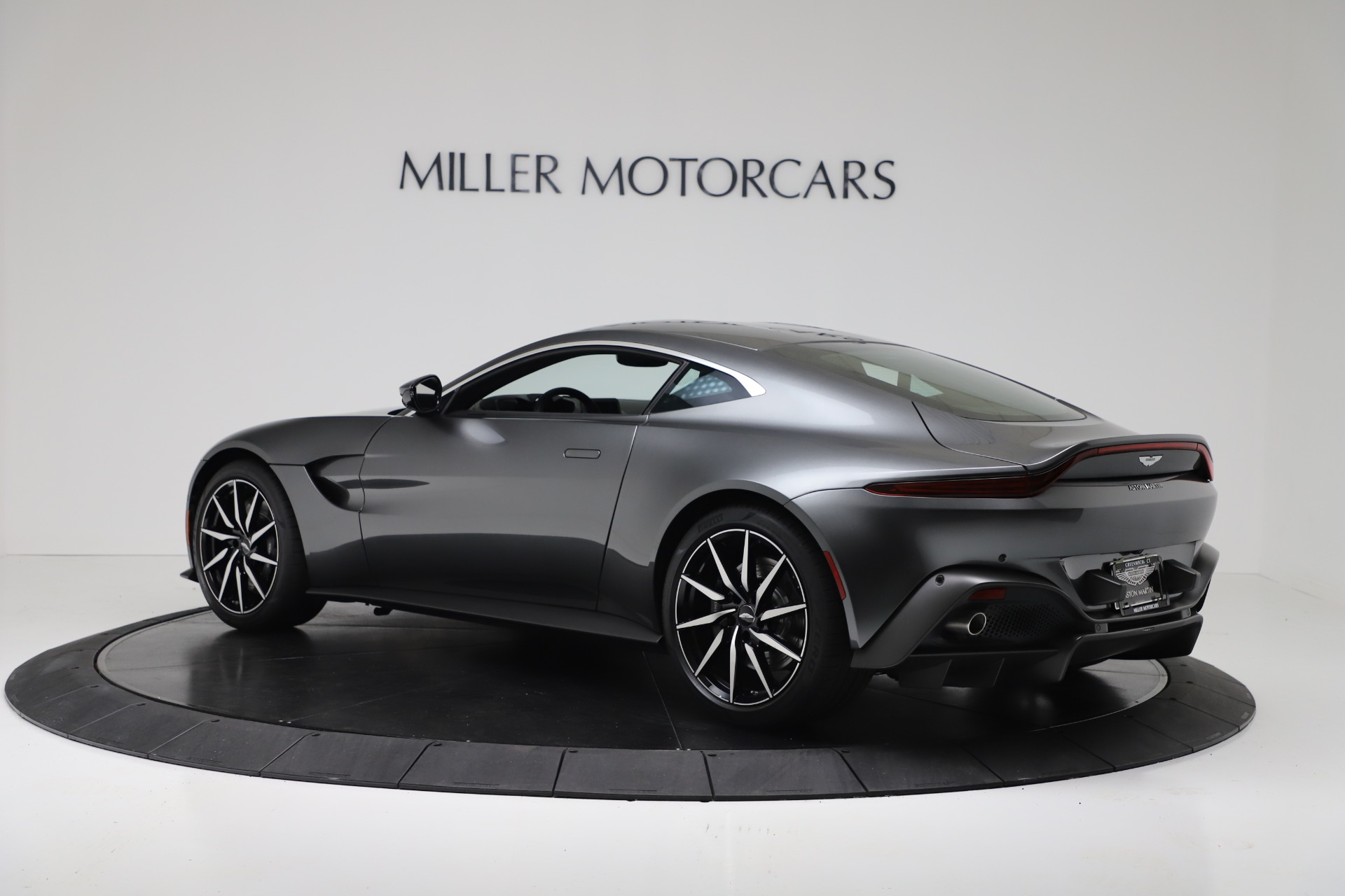 New 2020 Aston Martin Vantage Coupe For Sale In Greenwich, CT. Alfa Romeo of Greenwich, A1396 3384_p3