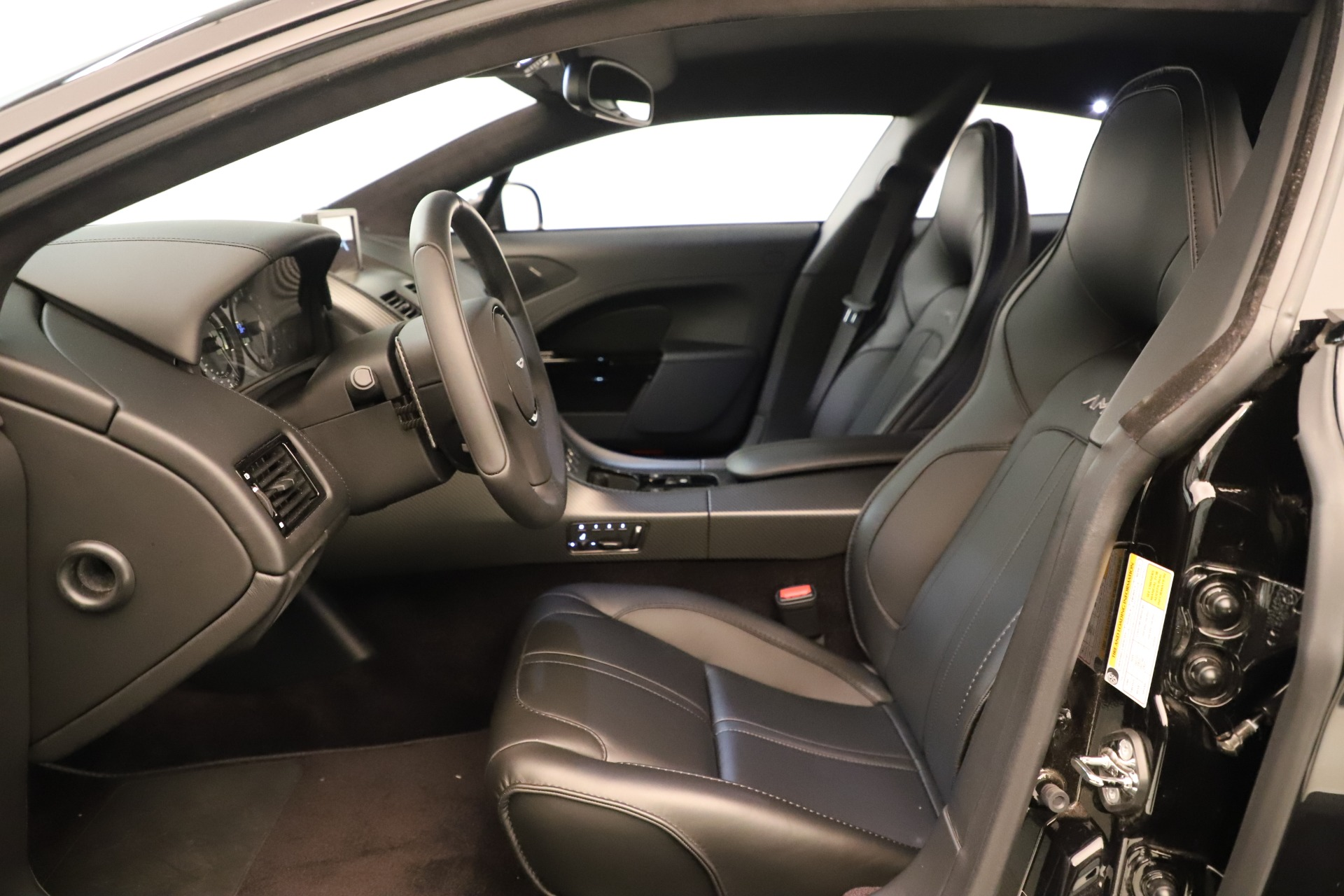 New 2019 Aston Martin Rapide V12 AMR For Sale In Greenwich, CT. Alfa Romeo of Greenwich, A1387 3389_p14