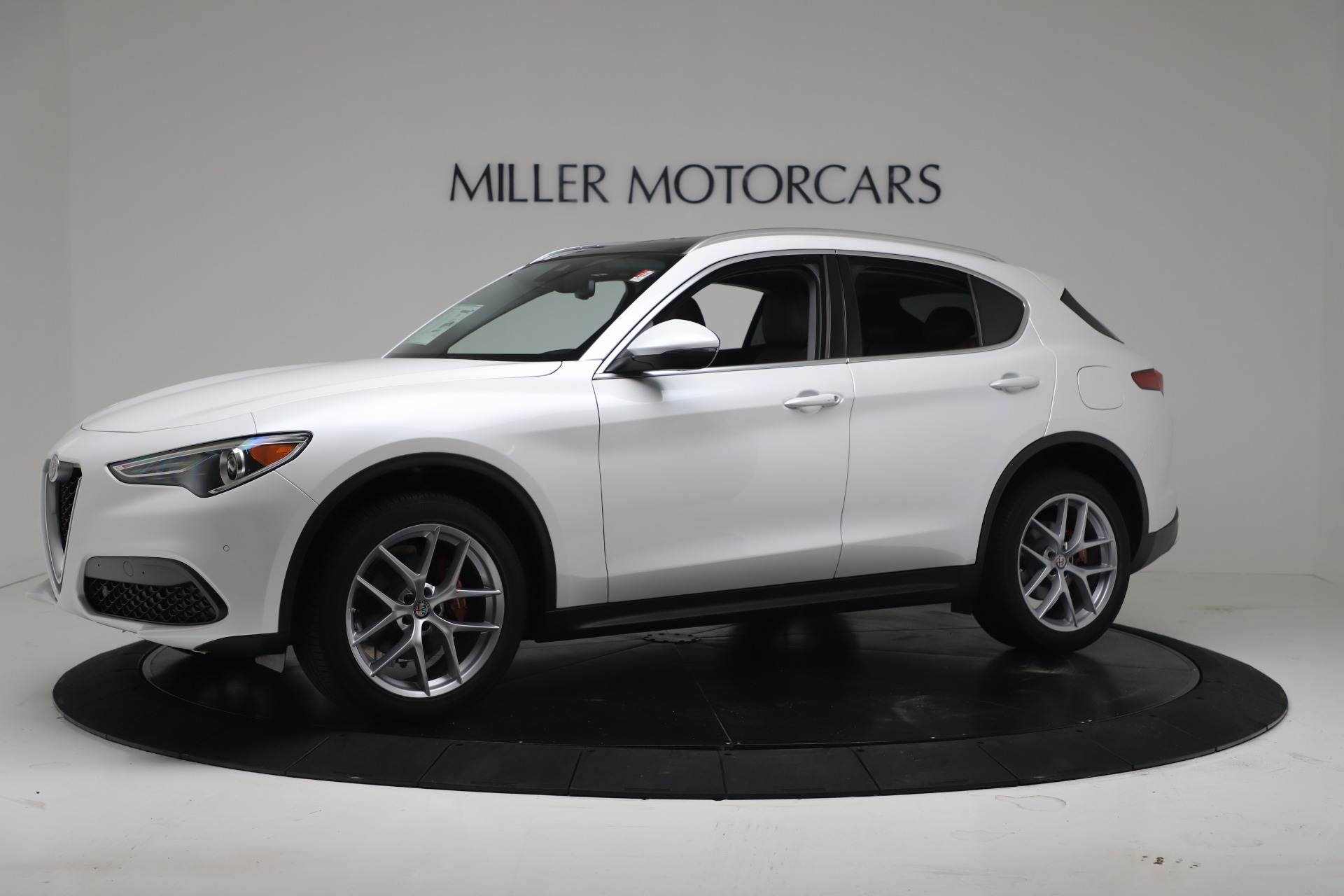 New 2019 Alfa Romeo Stelvio Ti Lusso Q4 For Sale In Greenwich, CT. Alfa Romeo of Greenwich, LW380 3397_p2