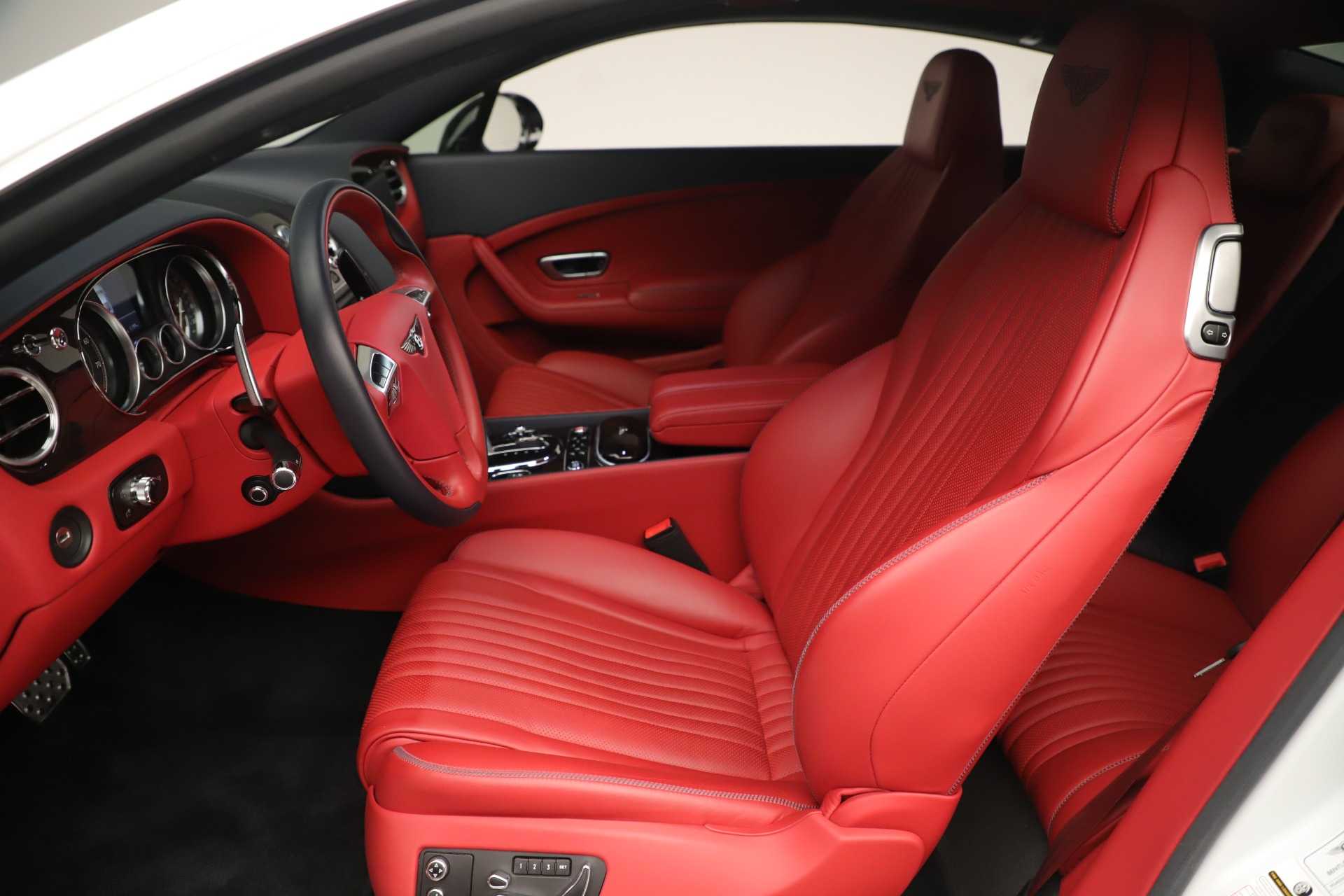 Used 2016 Bentley Continental GT V8 S For Sale In Greenwich, CT. Alfa Romeo of Greenwich, 7629 3399_p18