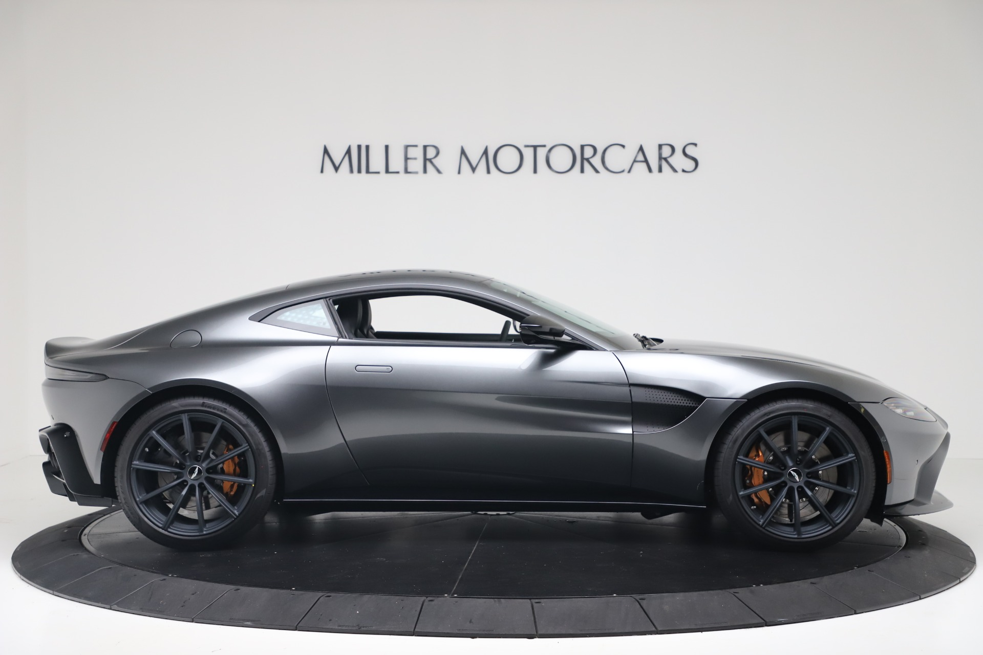 New 2020 Aston Martin Vantage V8 For Sale In Greenwich, CT. Alfa Romeo of Greenwich, A1399 3408_p10