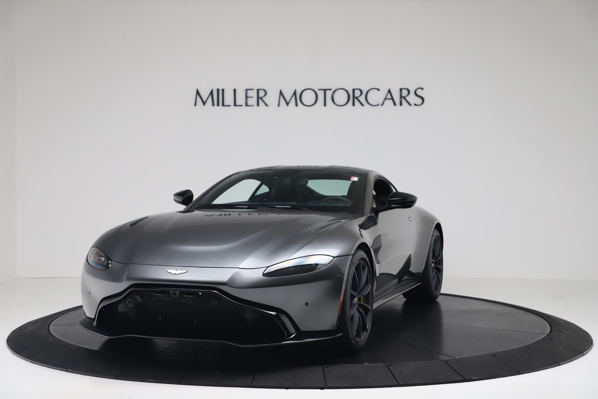 New 2020 Aston Martin Vantage V8 For Sale In Greenwich, CT. Alfa Romeo of Greenwich, A1399 3408_p3