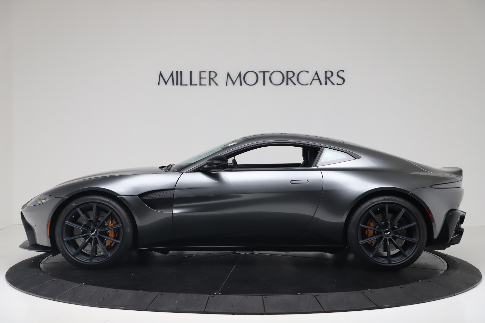 New 2020 Aston Martin Vantage V8 For Sale In Greenwich, CT. Alfa Romeo of Greenwich, A1399 3408_p4