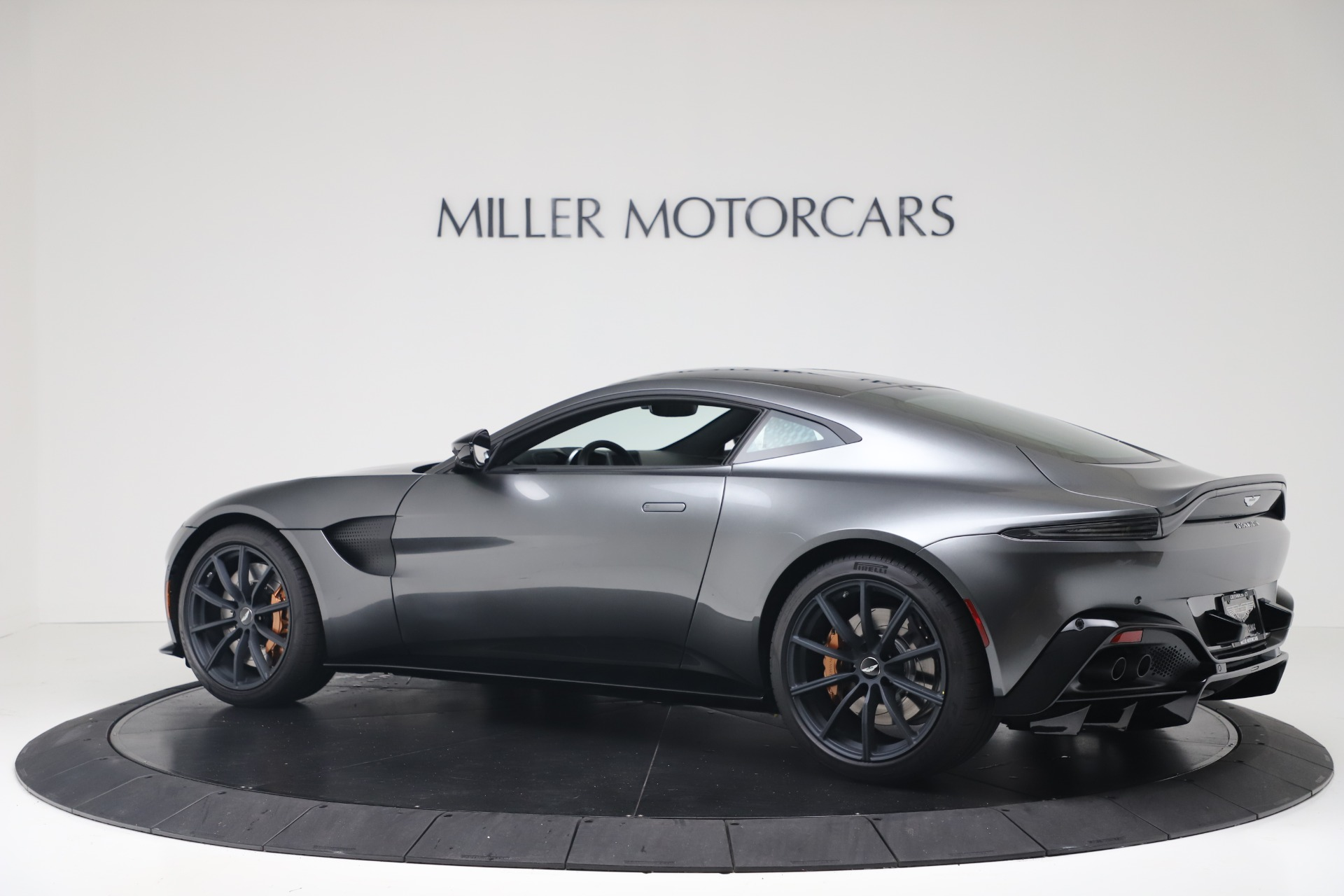 New 2020 Aston Martin Vantage V8 For Sale In Greenwich, CT. Alfa Romeo of Greenwich, A1399 3408_p5