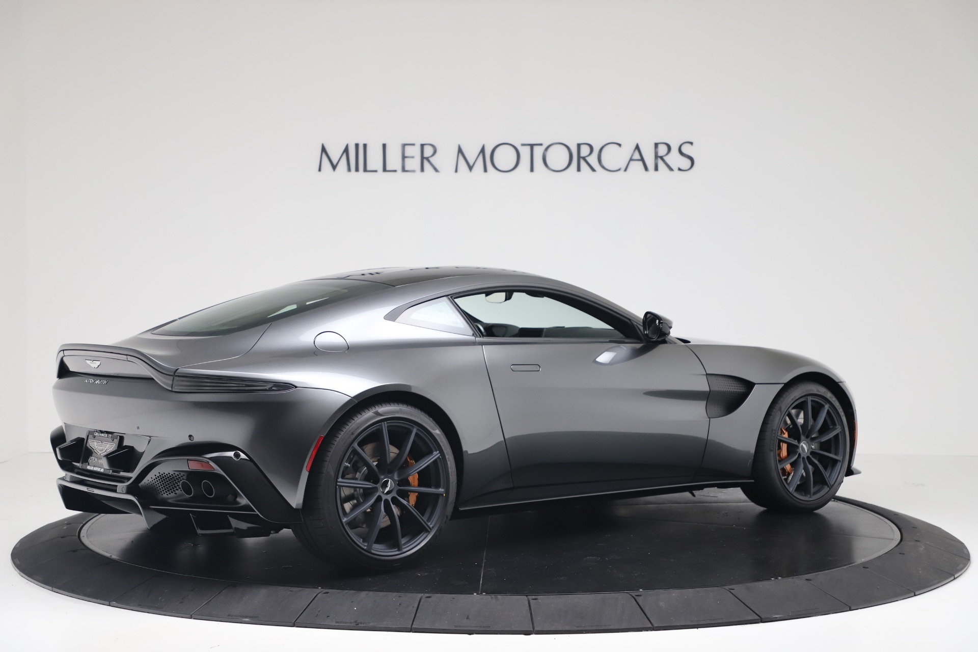 New 2020 Aston Martin Vantage V8 For Sale In Greenwich, CT. Alfa Romeo of Greenwich, A1399 3408_p9