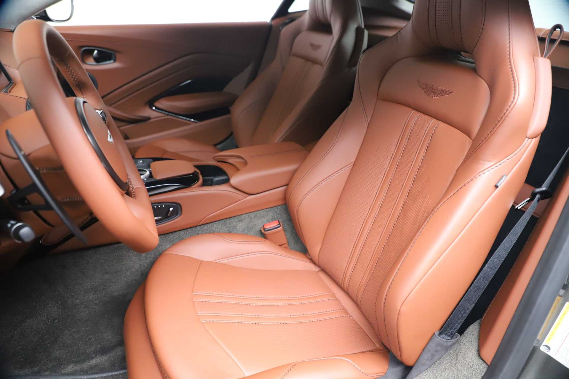 New 2020 Aston Martin Vantage  For Sale In Greenwich, CT. Alfa Romeo of Greenwich, A1403 3409_p15