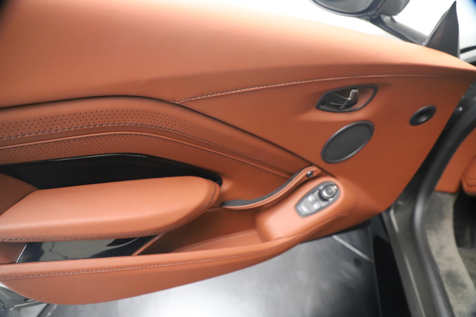 New 2020 Aston Martin Vantage  For Sale In Greenwich, CT. Alfa Romeo of Greenwich, A1403 3409_p16