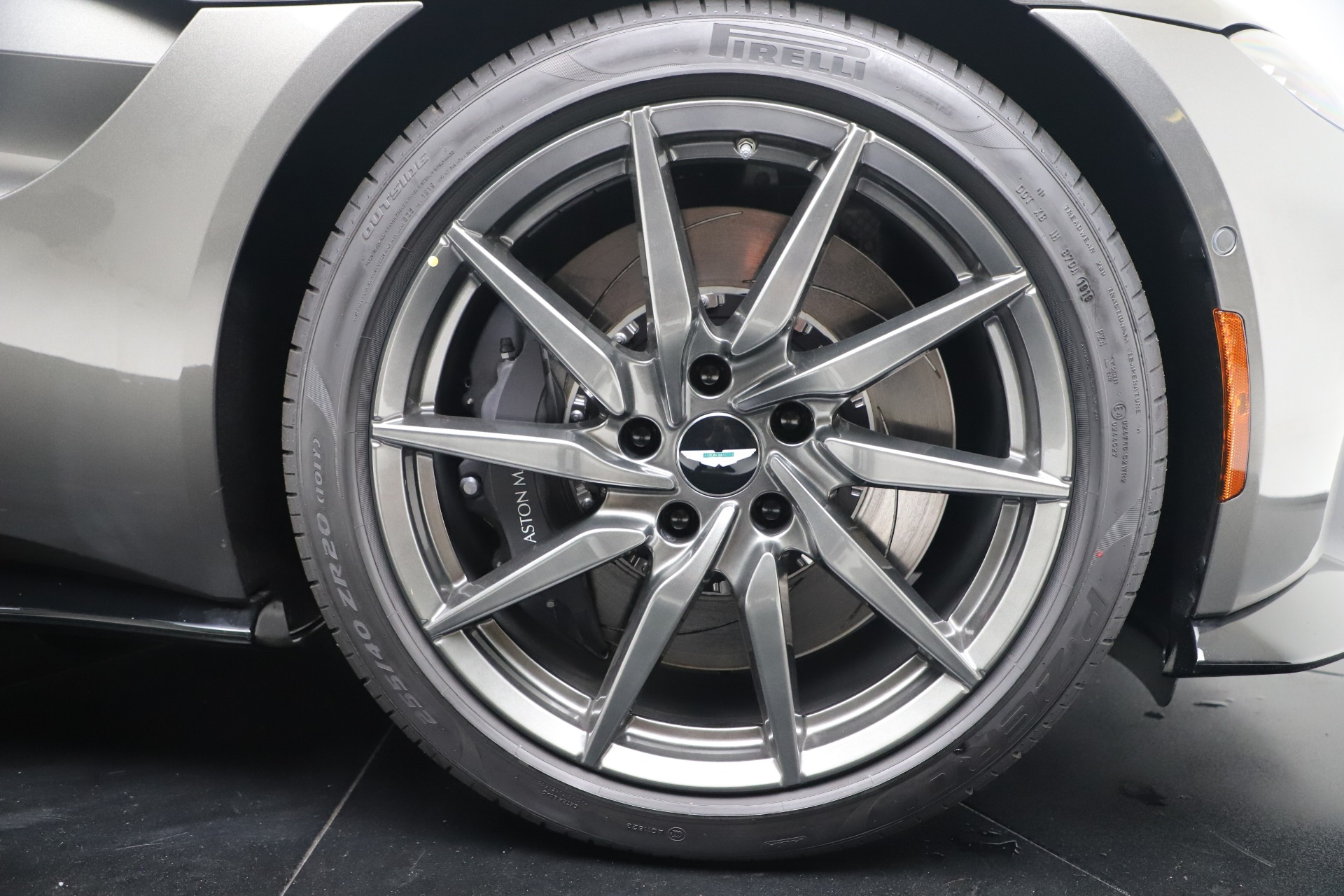 New 2020 Aston Martin Vantage  For Sale In Greenwich, CT. Alfa Romeo of Greenwich, A1403 3409_p21