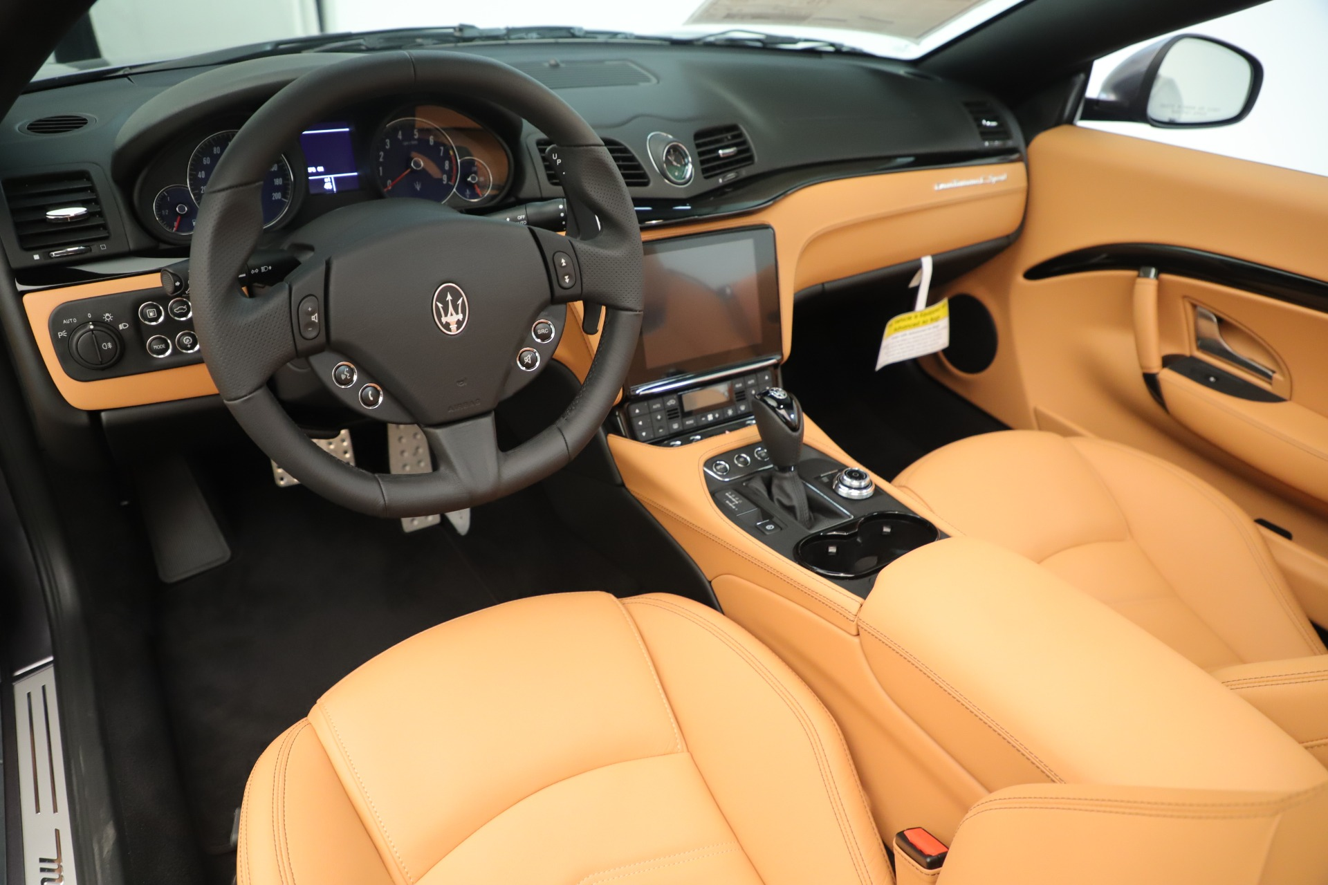 New 2019 Maserati GranTurismo Sport Convertible For Sale In Greenwich, CT. Alfa Romeo of Greenwich, W699 3410_p19