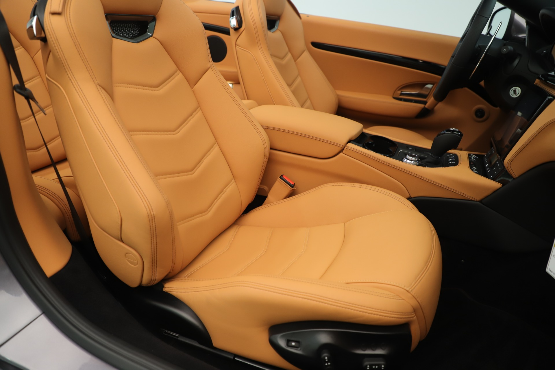 New 2019 Maserati GranTurismo Sport Convertible For Sale In Greenwich, CT. Alfa Romeo of Greenwich, W699 3410_p28