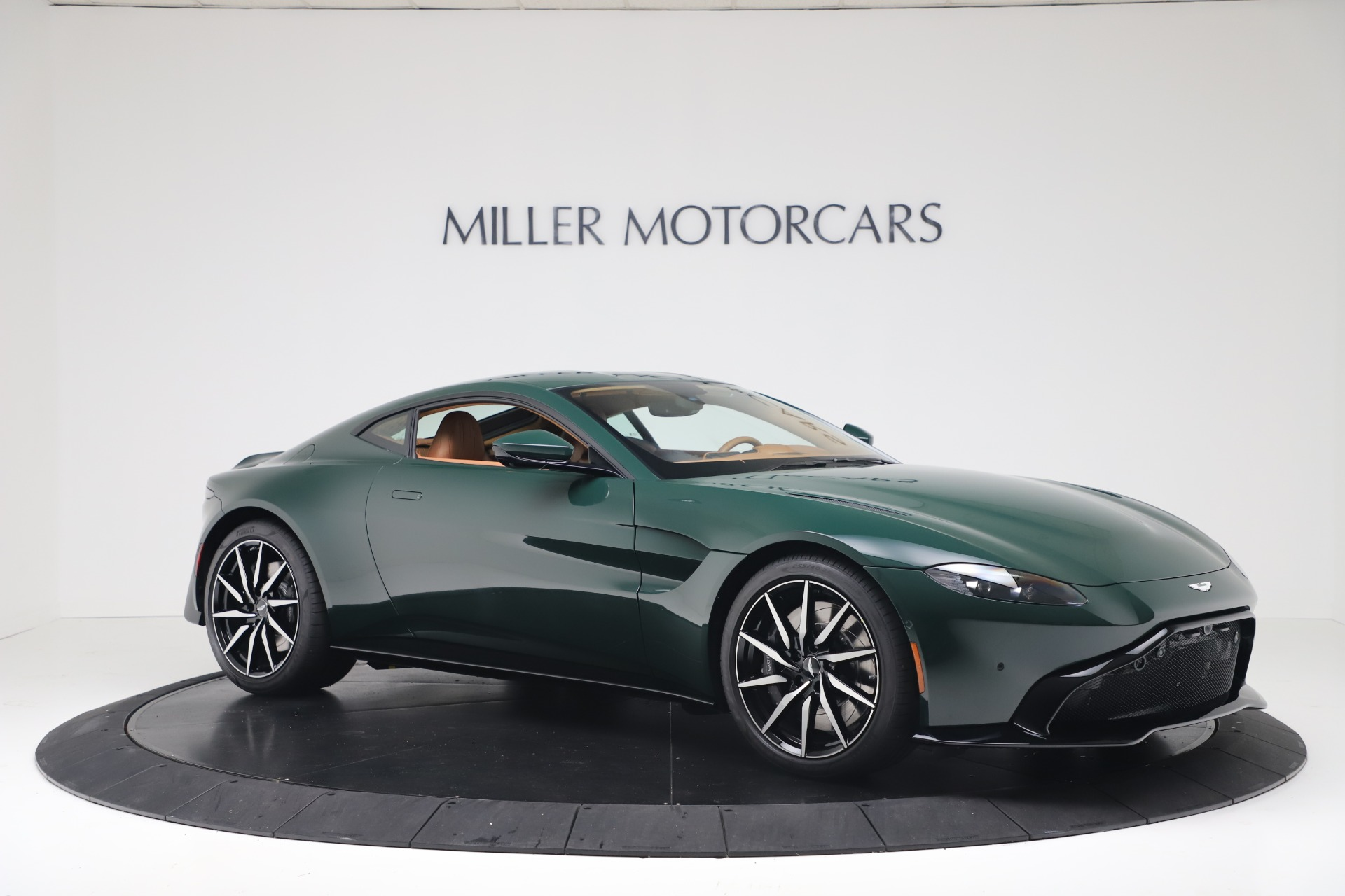 New 2020 Aston Martin Vantage  For Sale In Greenwich, CT. Alfa Romeo of Greenwich, A1401 3411_p11