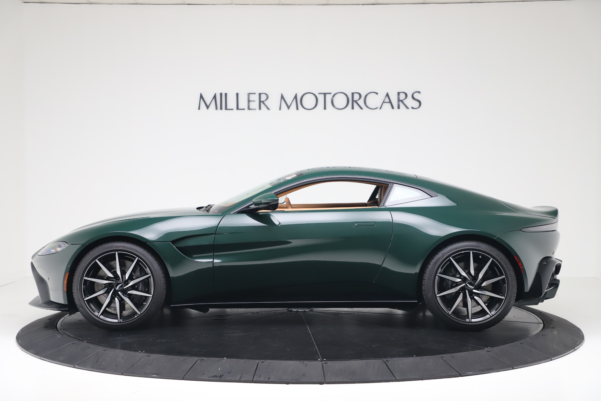 New 2020 Aston Martin Vantage  For Sale In Greenwich, CT. Alfa Romeo of Greenwich, A1401 3411_p4