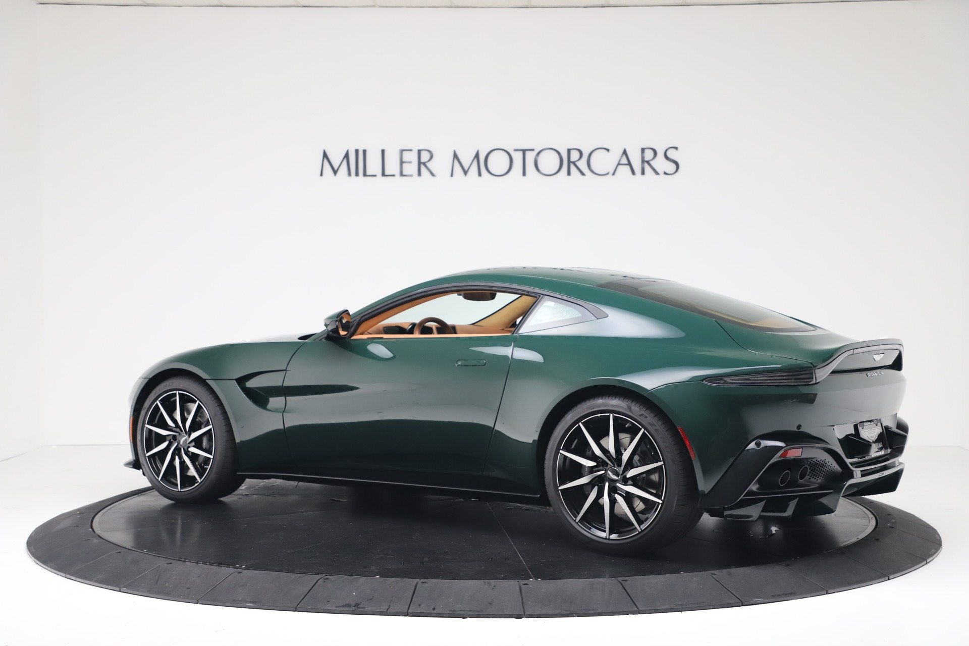 New 2020 Aston Martin Vantage  For Sale In Greenwich, CT. Alfa Romeo of Greenwich, A1401 3411_p5