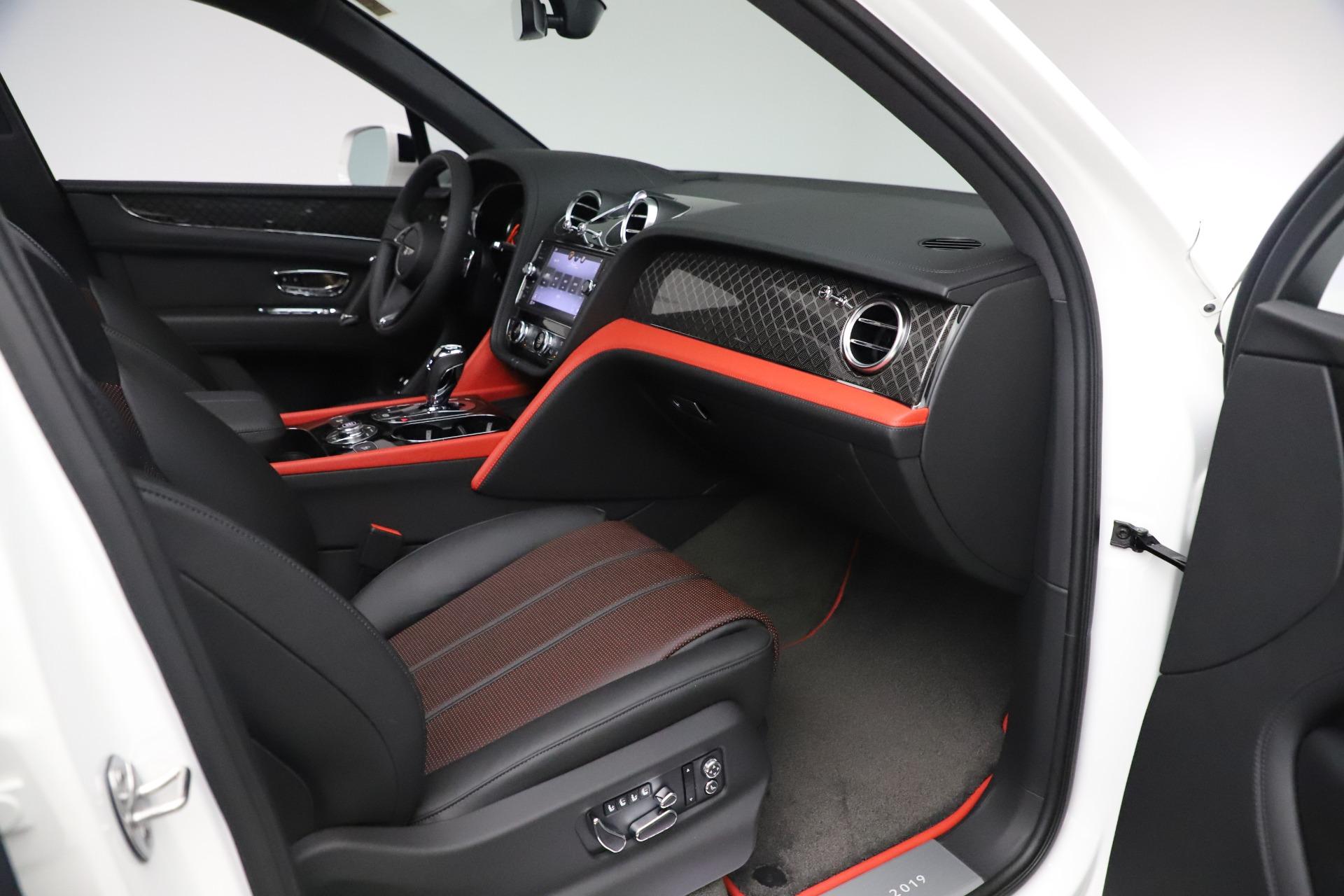 New 2020 Bentley Bentayga V8 Design Series For Sale In Greenwich, CT. Alfa Romeo of Greenwich, B1434 3414_p17