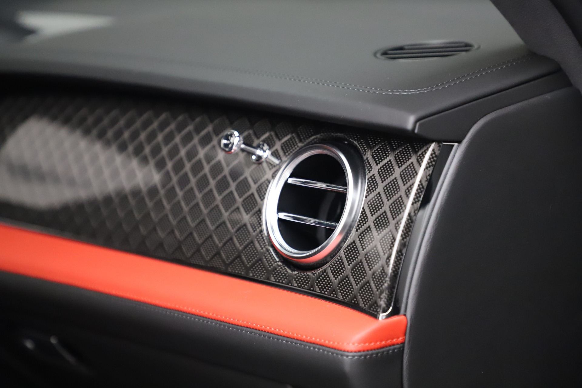 New 2020 Bentley Bentayga V8 Design Series For Sale In Greenwich, CT. Alfa Romeo of Greenwich, B1434 3414_p22