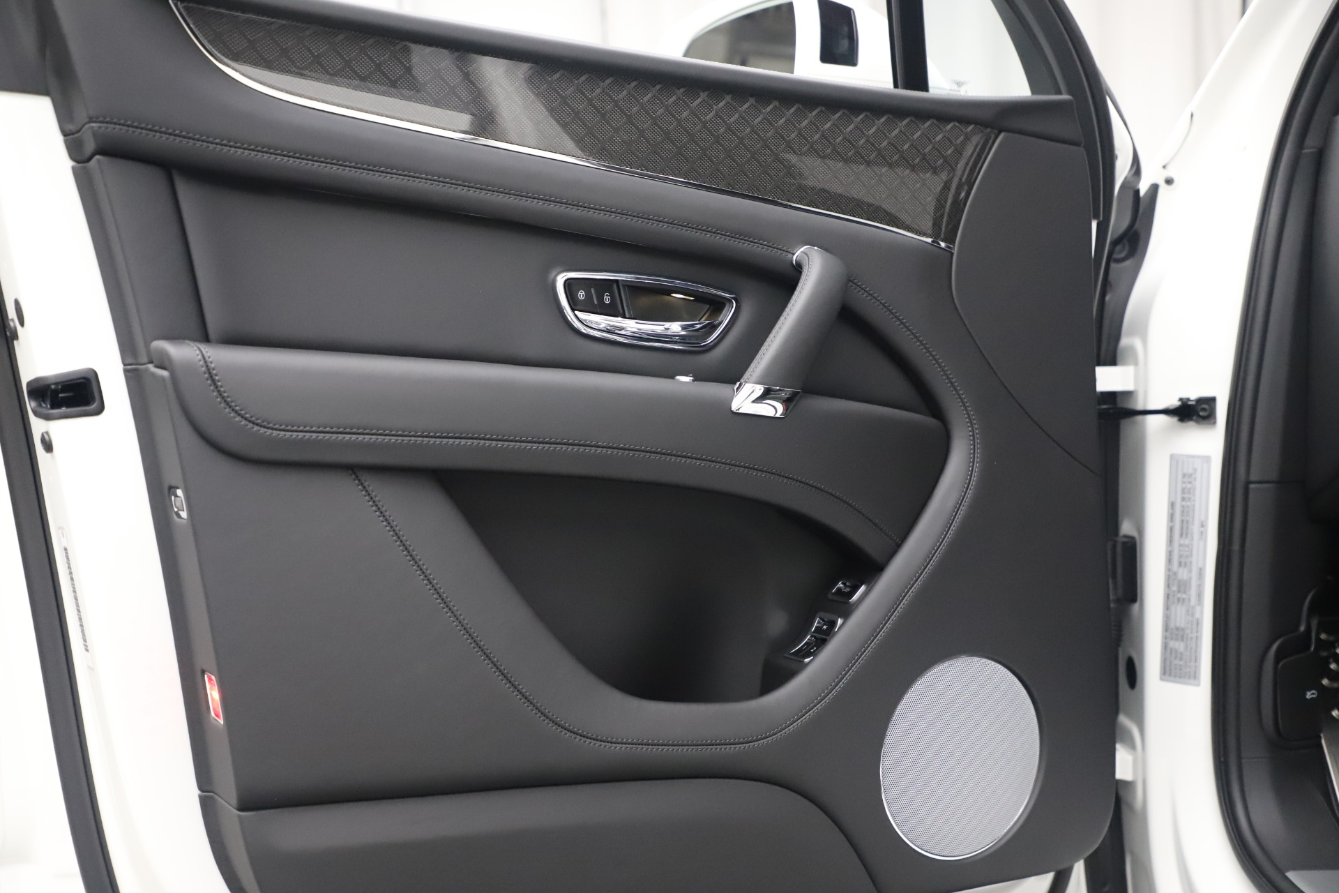 New 2020 Bentley Bentayga V8 Design Series For Sale In Greenwich, CT. Alfa Romeo of Greenwich, B1434 3414_p23