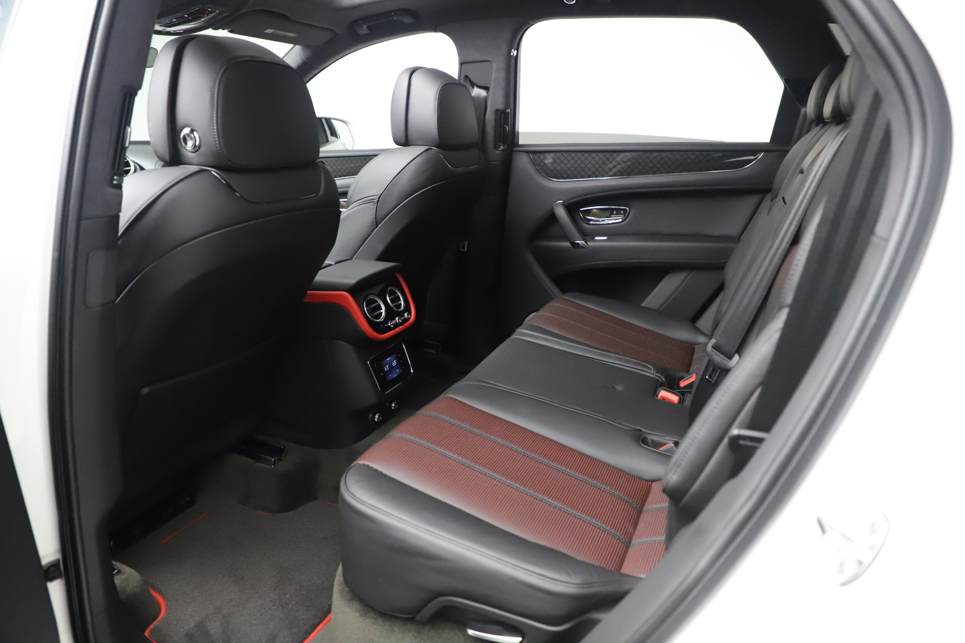 New 2020 Bentley Bentayga V8 Design Series For Sale In Greenwich, CT. Alfa Romeo of Greenwich, B1434 3414_p29
