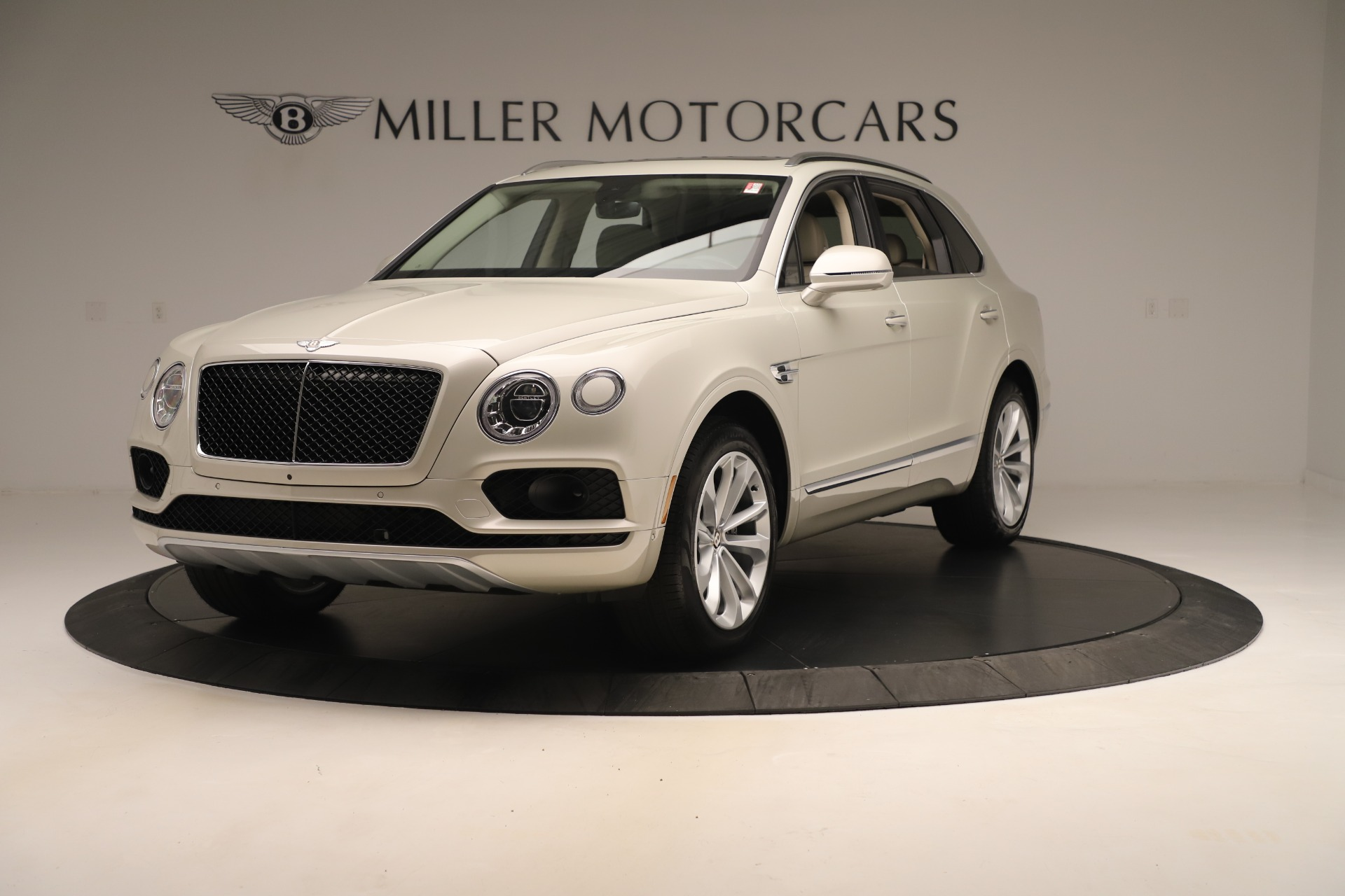 New 2020 Bentley Bentayga V8 For Sale In Greenwich, CT. Alfa Romeo of Greenwich, B1422 3419_main