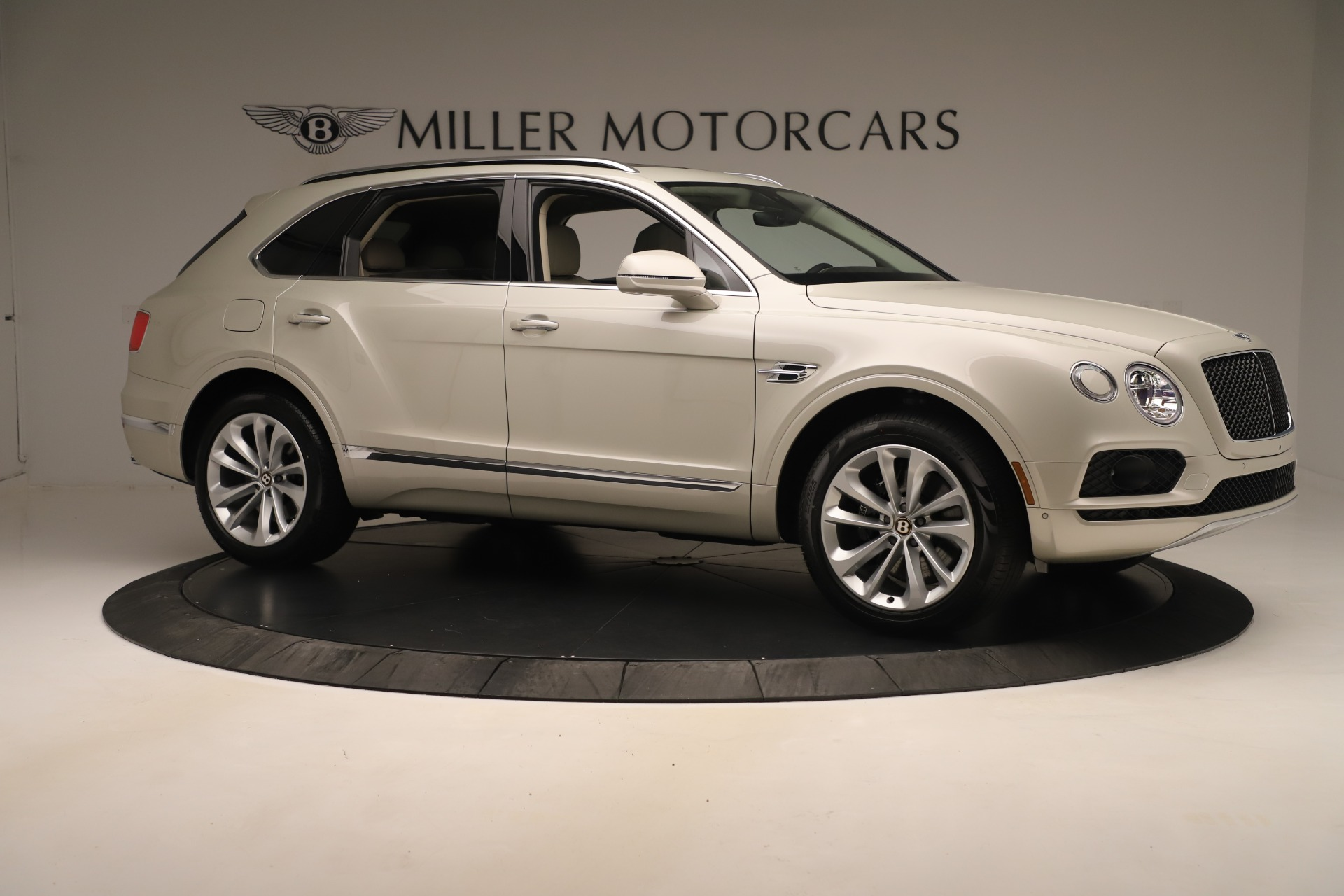 New 2020 Bentley Bentayga V8 For Sale In Greenwich, CT. Alfa Romeo of Greenwich, B1422 3419_p10