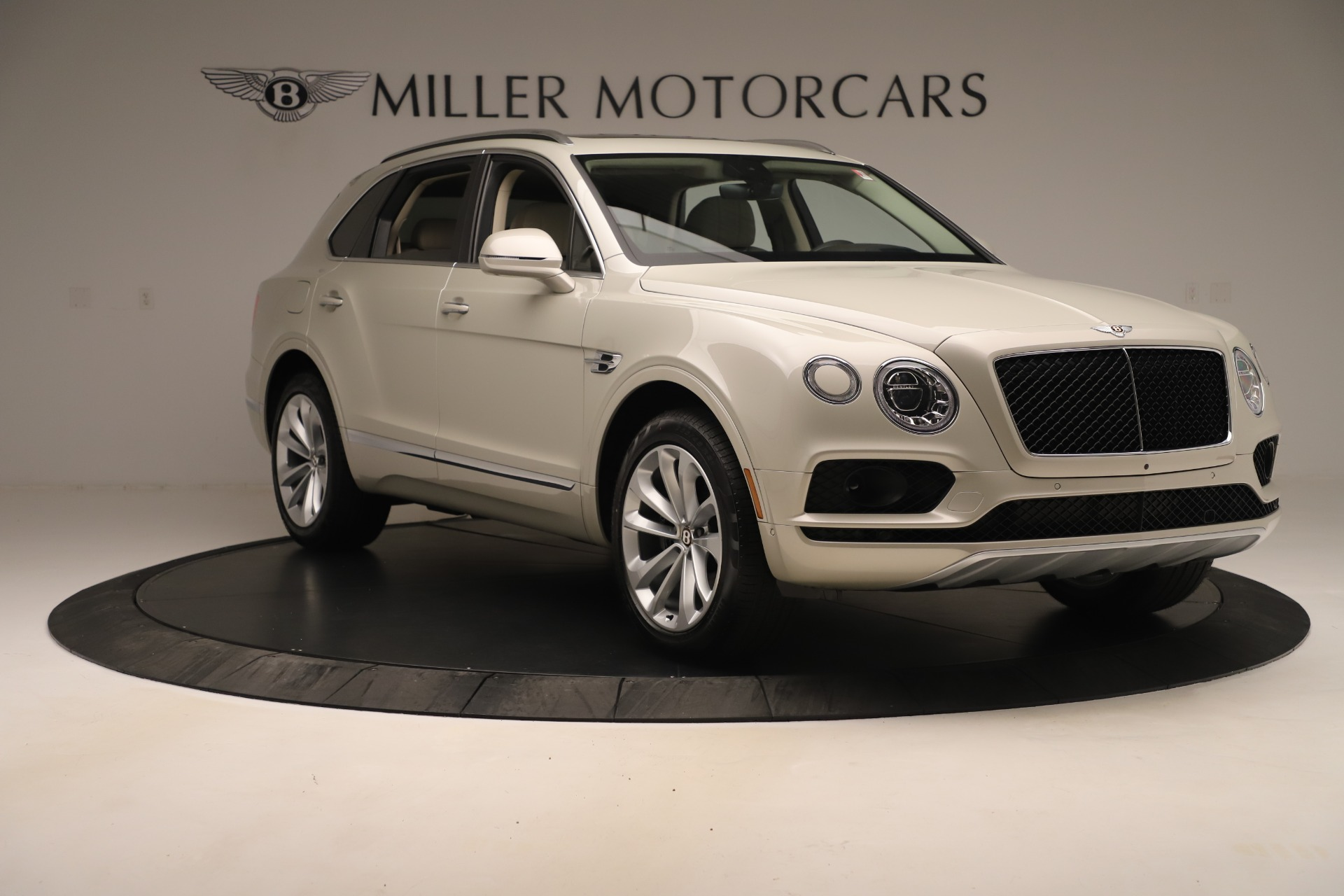 New 2020 Bentley Bentayga V8 For Sale In Greenwich, CT. Alfa Romeo of Greenwich, B1422 3419_p11