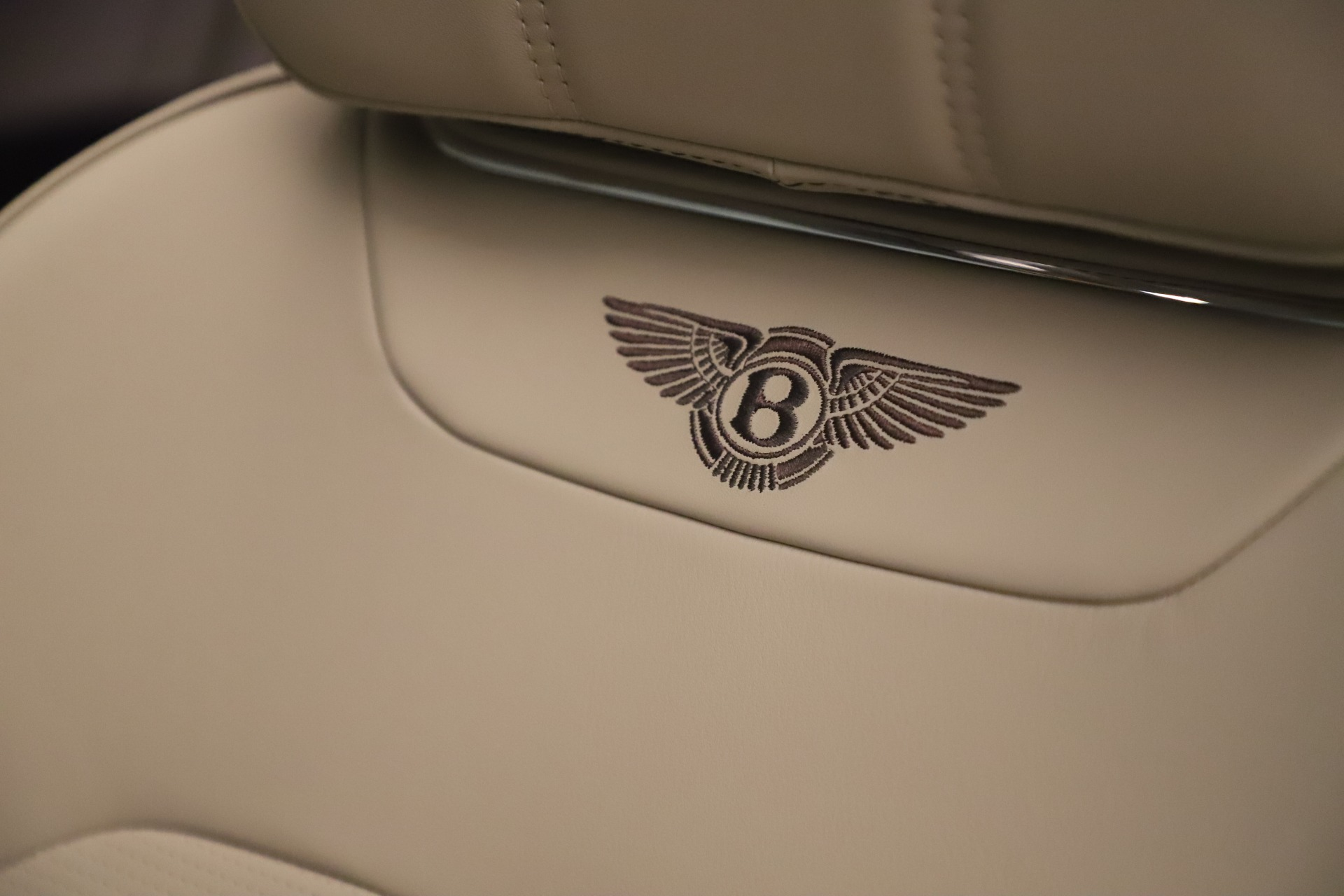 New 2020 Bentley Bentayga V8 For Sale In Greenwich, CT. Alfa Romeo of Greenwich, B1422 3419_p20