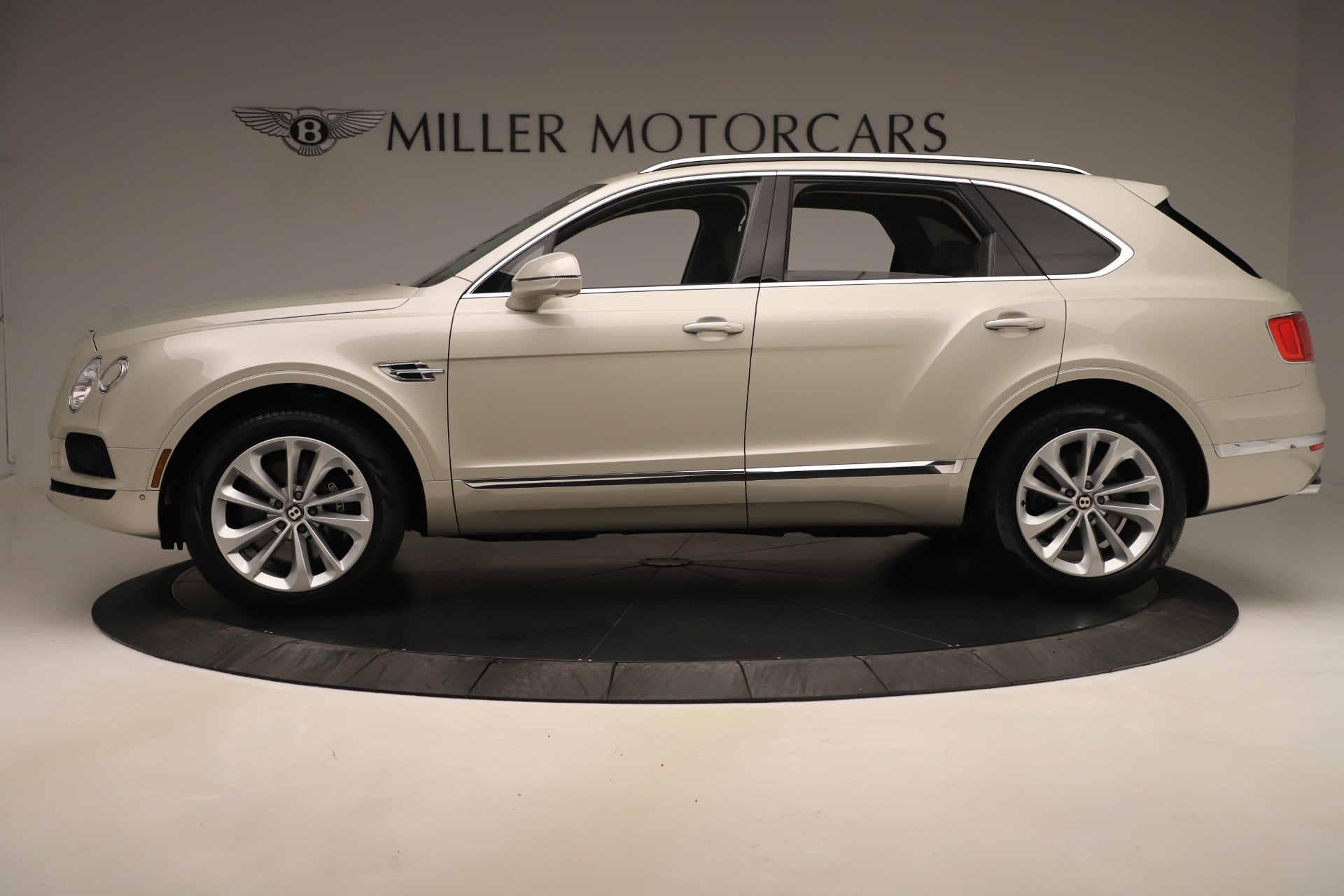 New 2020 Bentley Bentayga V8 For Sale In Greenwich, CT. Alfa Romeo of Greenwich, B1422 3419_p3