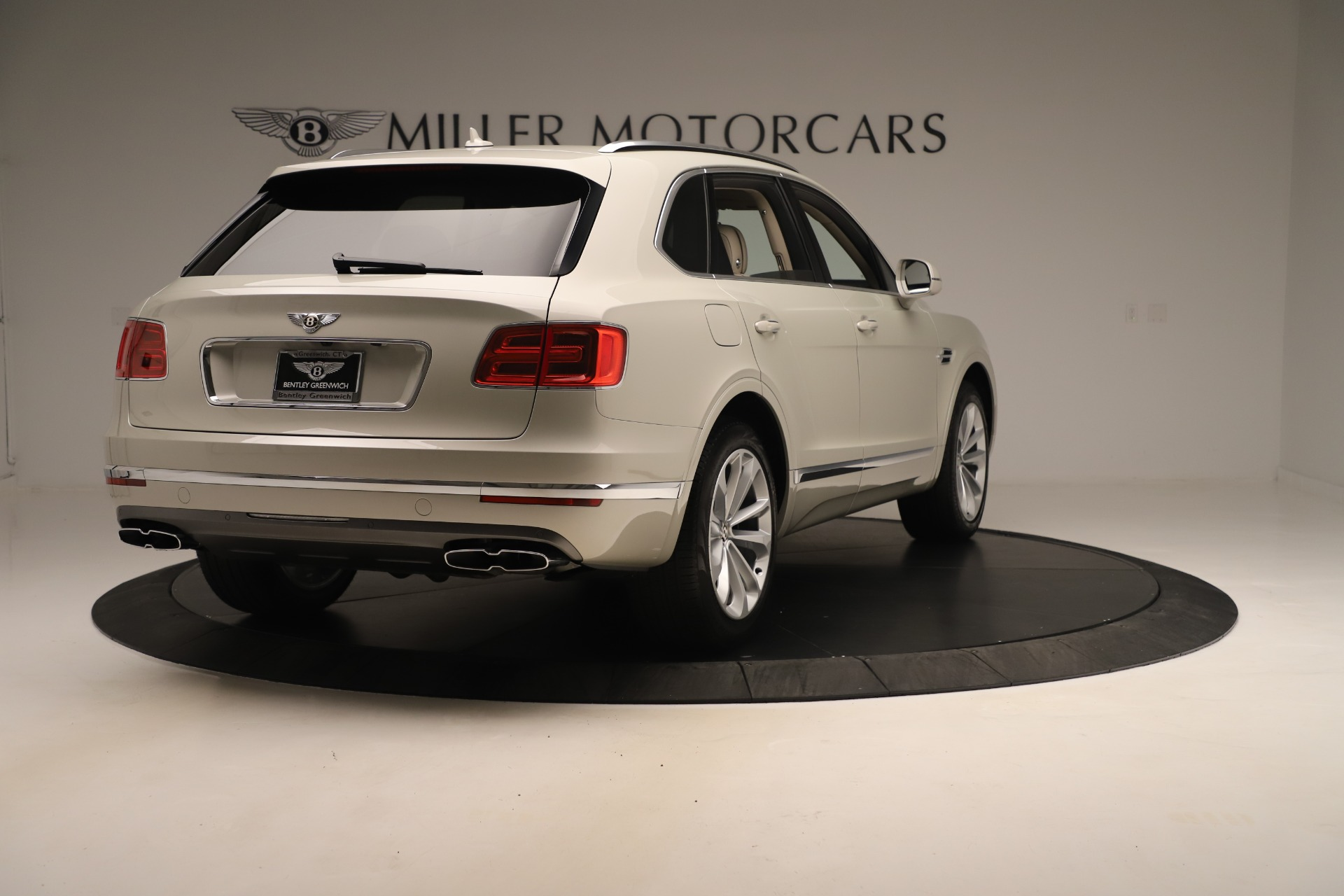 New 2020 Bentley Bentayga V8 For Sale In Greenwich, CT. Alfa Romeo of Greenwich, B1422 3419_p7