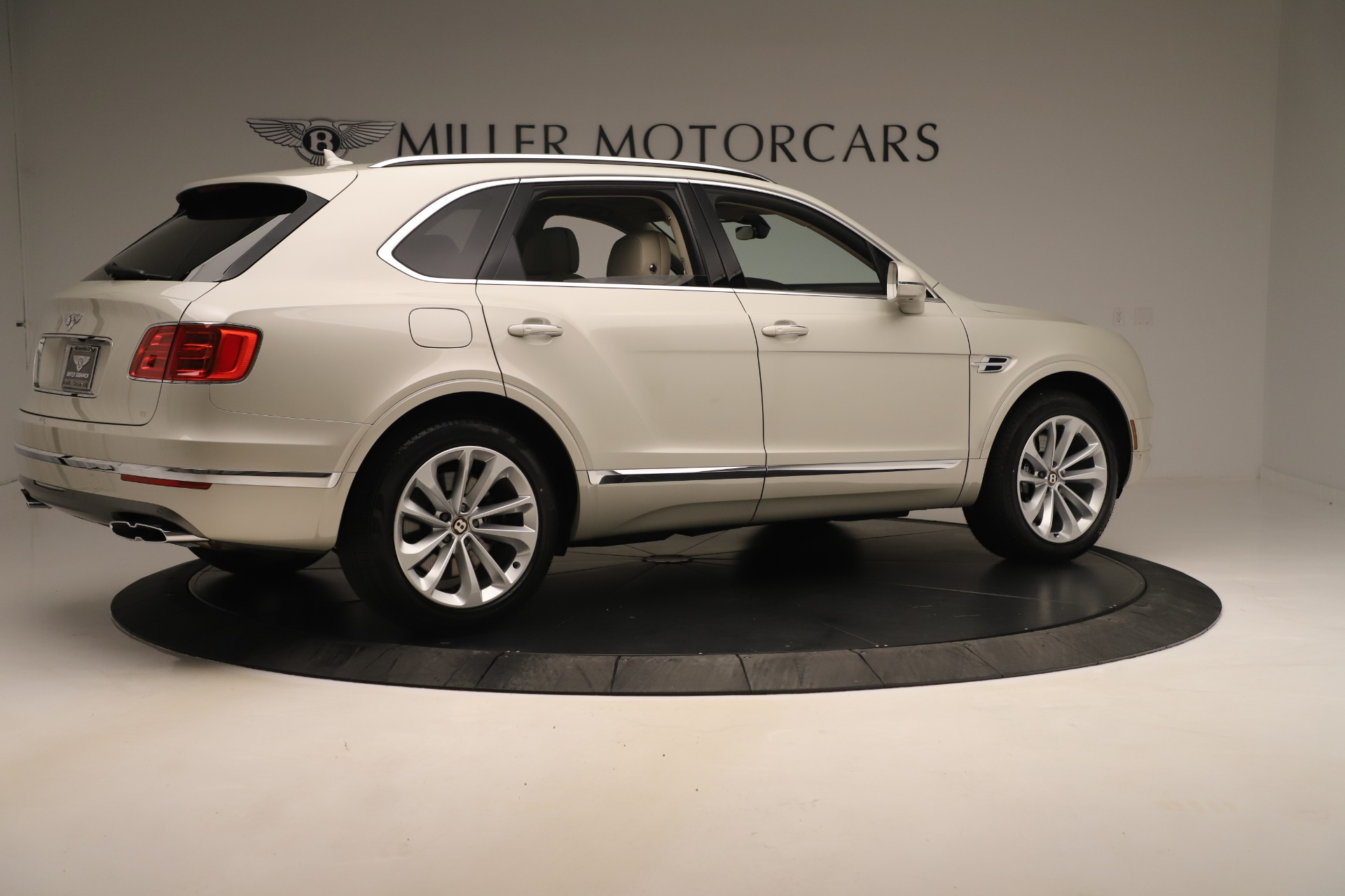 New 2020 Bentley Bentayga V8 For Sale In Greenwich, CT. Alfa Romeo of Greenwich, B1422 3419_p8