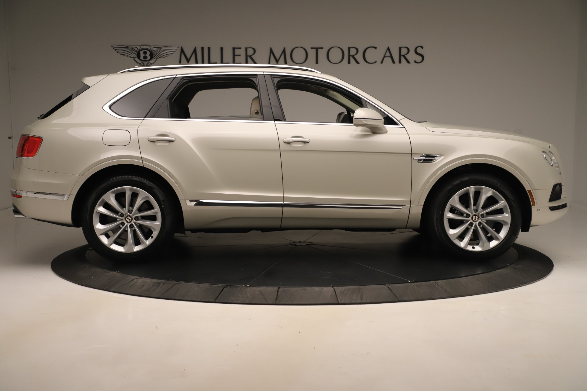 New 2020 Bentley Bentayga V8 For Sale In Greenwich, CT. Alfa Romeo of Greenwich, B1422 3419_p9
