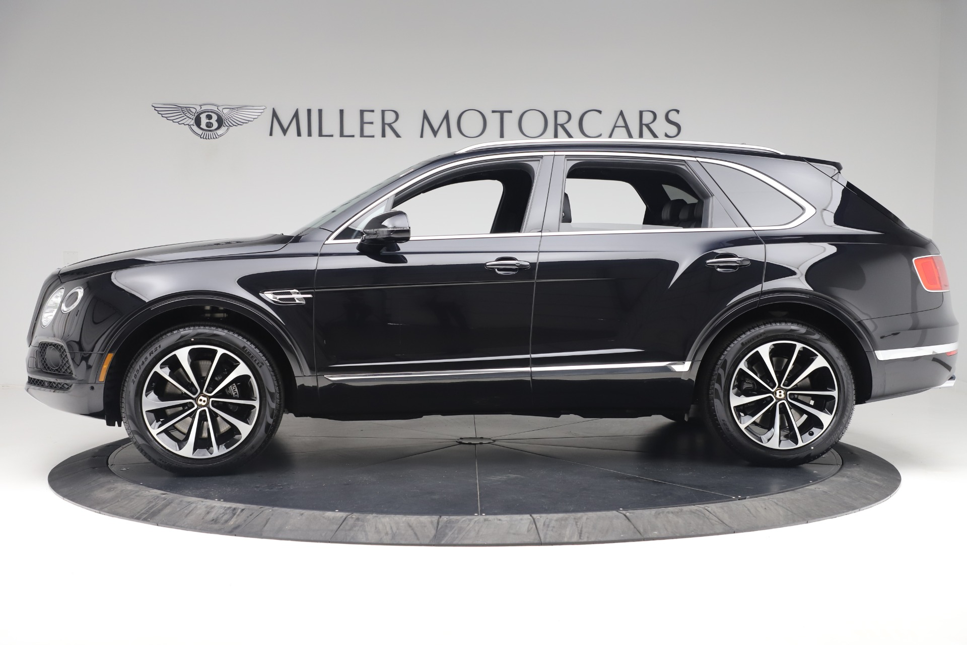 New 2020 Bentley Bentayga V8 For Sale In Greenwich, CT. Alfa Romeo of Greenwich, B1421 3425_p3
